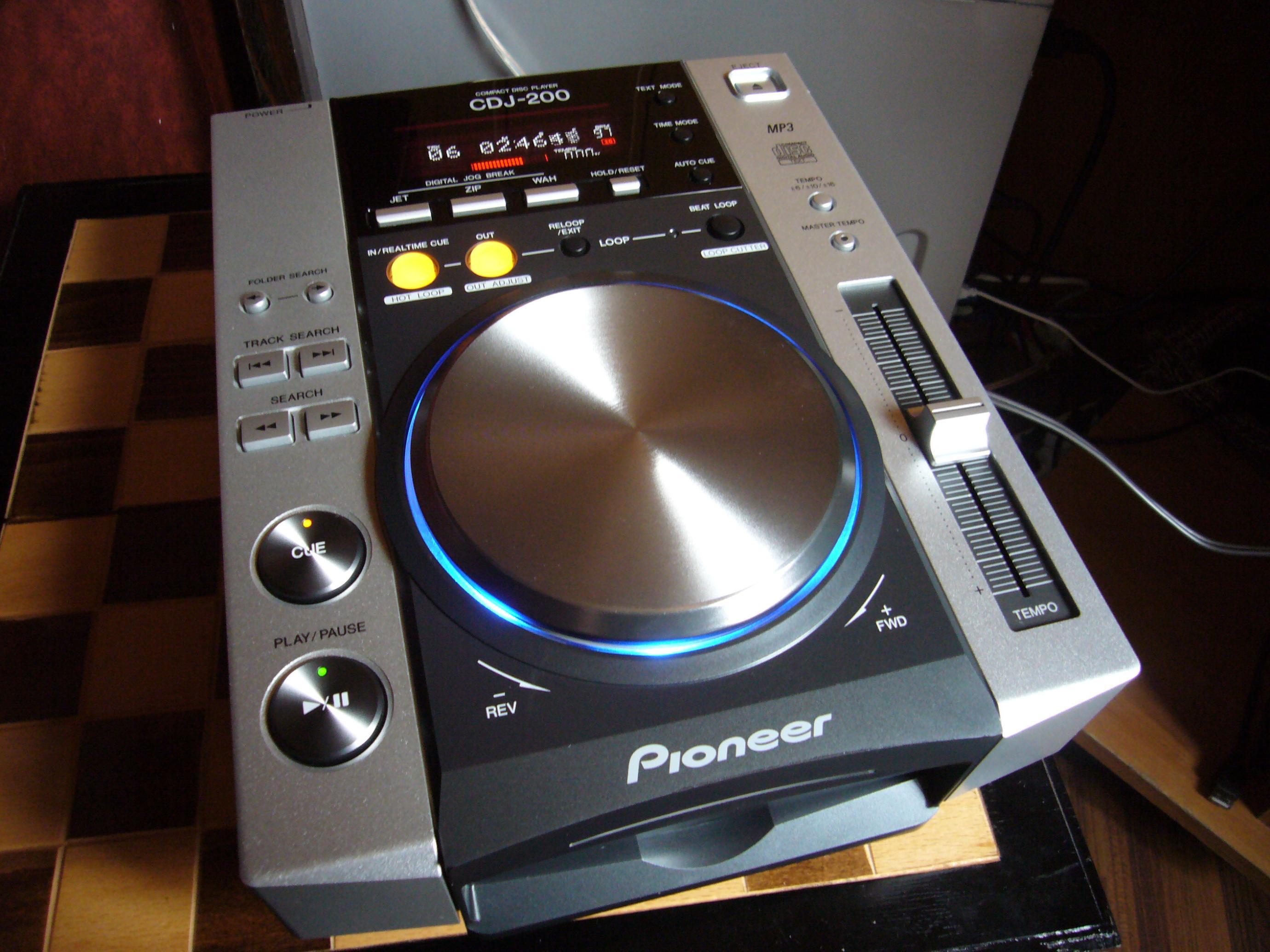 pioneer cdj 200 image pioneer cdj 200 569829 audiofanzine. Black Bedroom Furniture Sets. Home Design Ideas