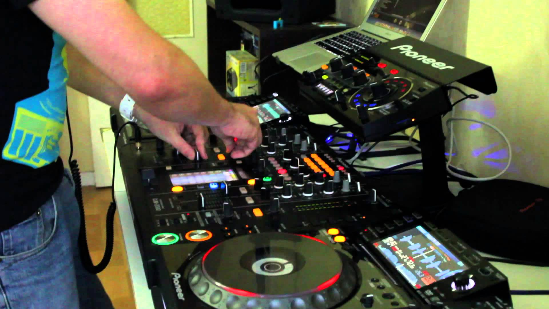 Donation de mon pack de pioneer cdj2000 et djm 2000 la - Table de mixage pioneer djm 2000 ...