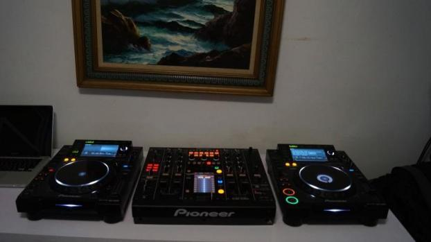 Pack de pioneer cdj2000 et djm 2000 la table de mixage - Table de mixage pioneer djm 2000 ...