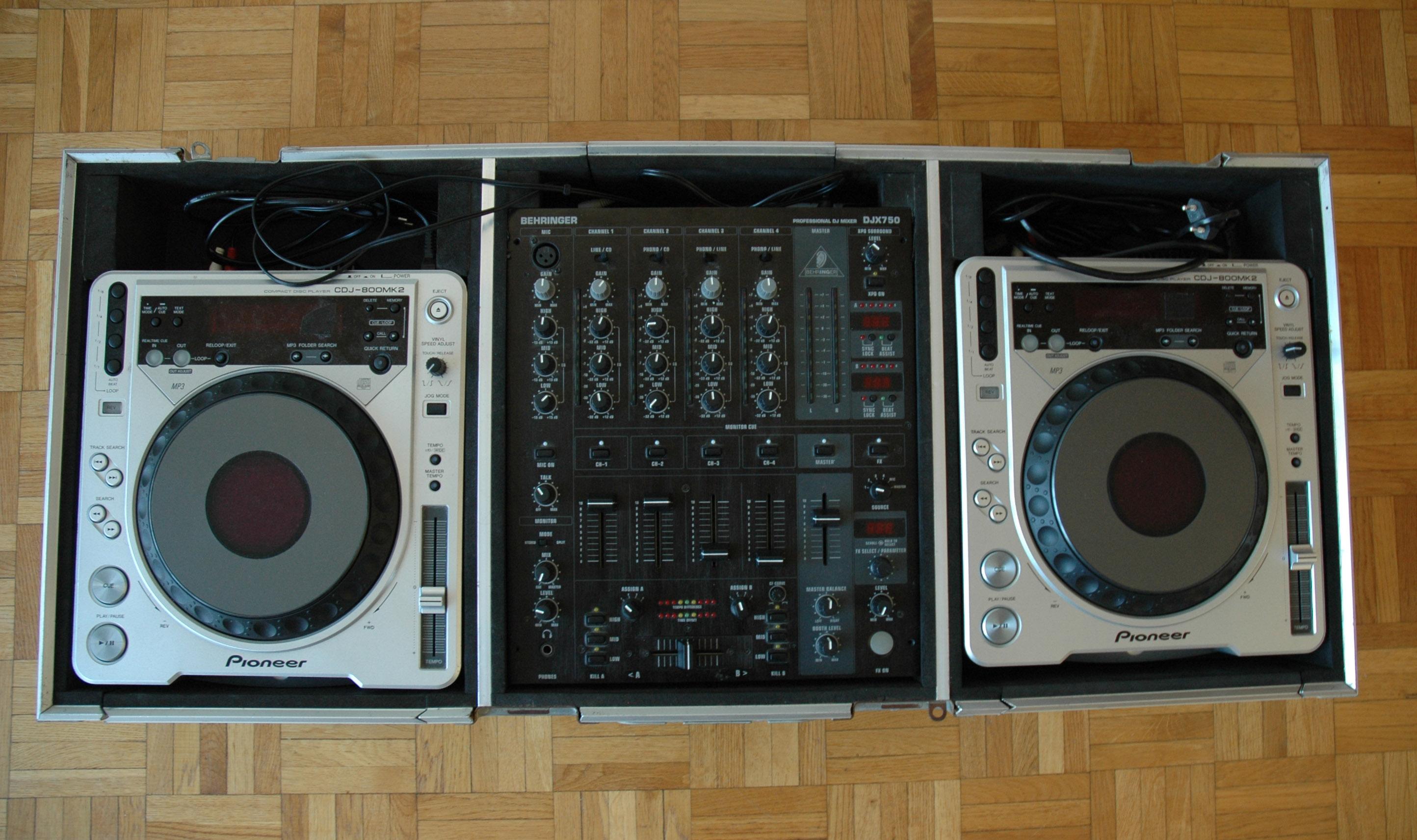 Platines dj pionner cdj 800 table de mixage flycase - Table de mixage pioneer occasion ...