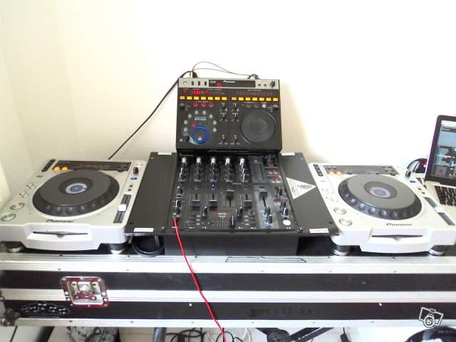 Photo pioneer cdj 800 mk2 cdj 800 pioneer mk2 table de - Pioneer table de mixage ...