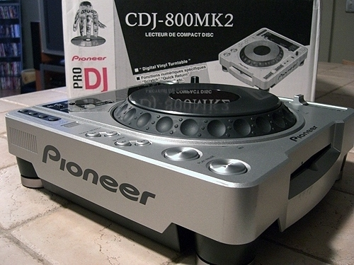 Máy DJ Pioneer CDJ-800MK2 Professional CD/ MP3 Turntable