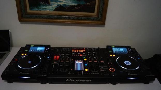 Ensemble de mon pack de pioneer cdj2000 et djm 2000 la - Table de mixage pioneer djm 2000 ...