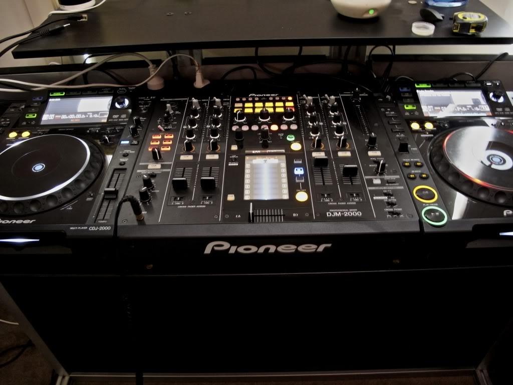Achat pioneer djm 2000 d 39 occasion audiofanzine - Table de mixage pioneer djm 2000 ...