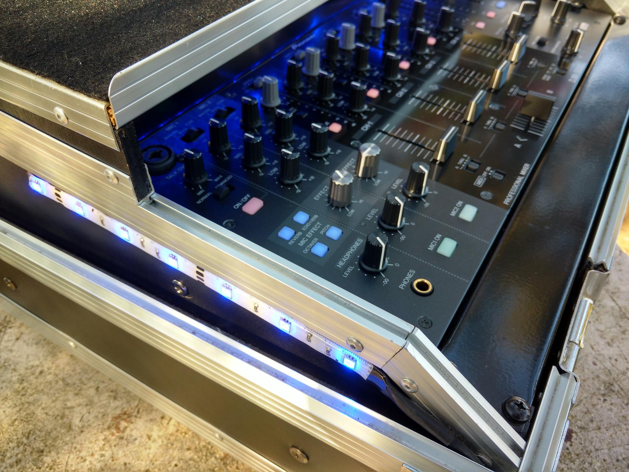 Photo pioneer djm 5000 pioneer djm 5000 table de mixage - Table de mixage pioneer djm 2000 ...