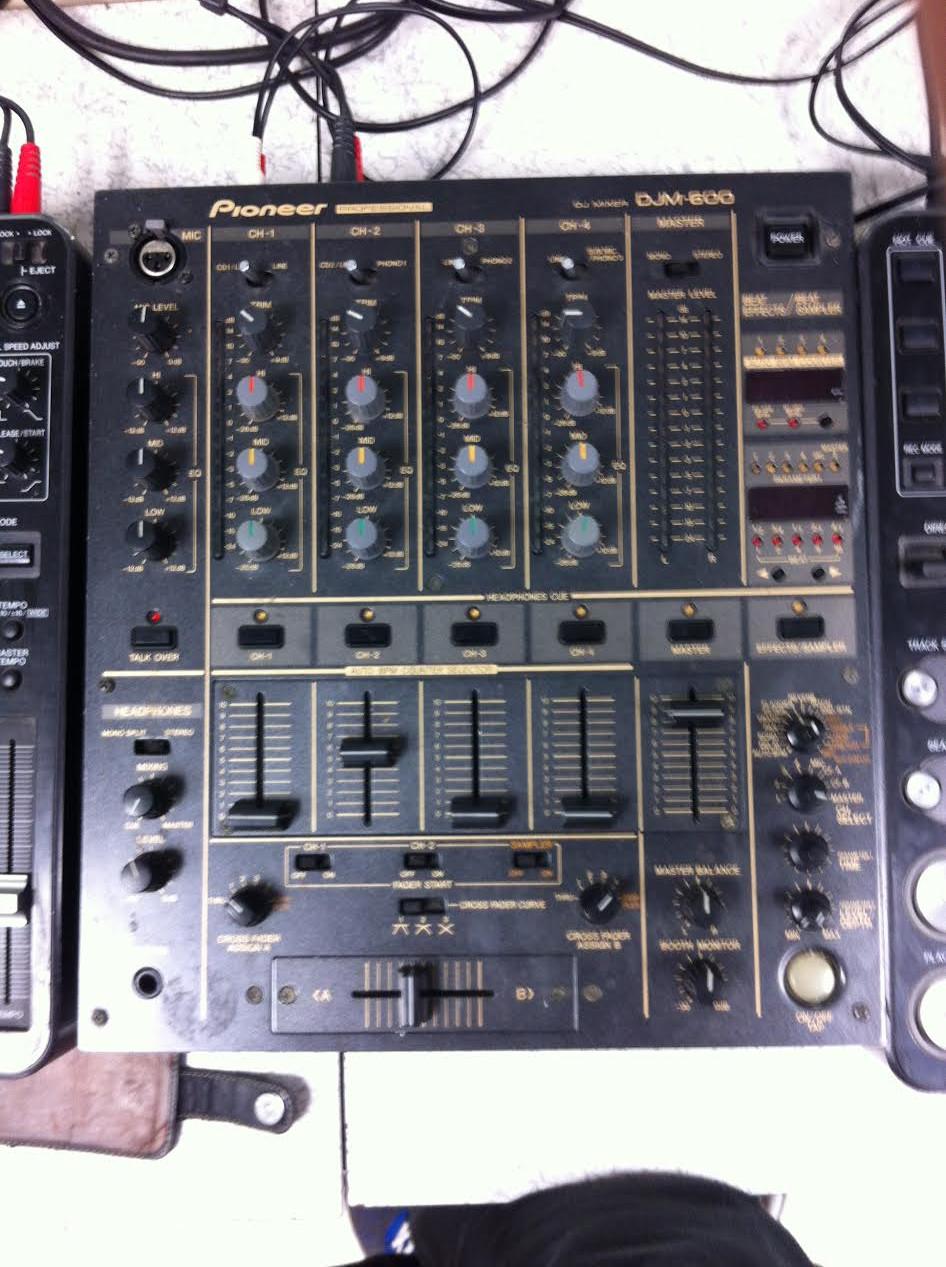 Vends table de mixage djm 600 ile de france audiofanzine - Table de mixage pioneer occasion ...