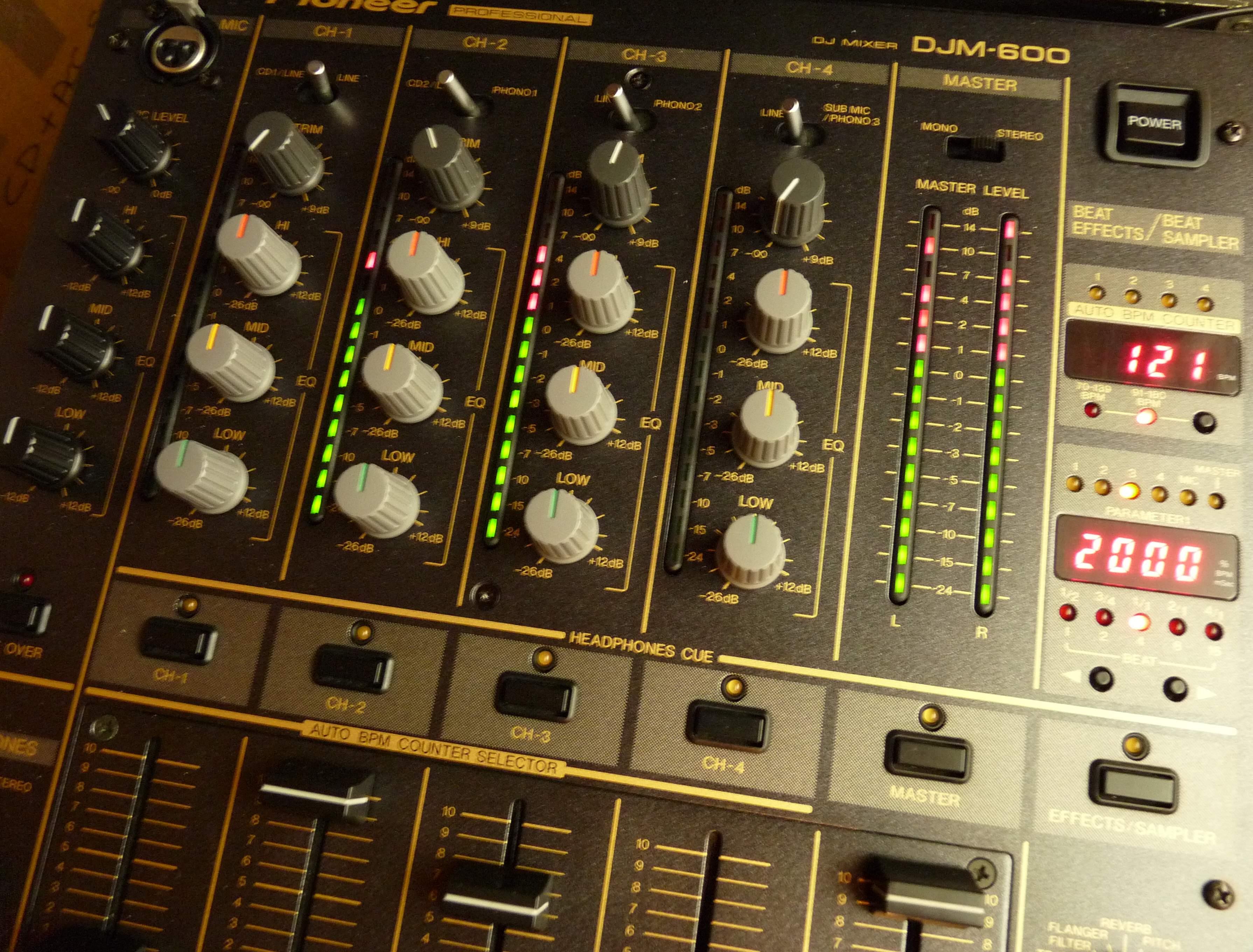 pioneer-djm-600-500633.jpg