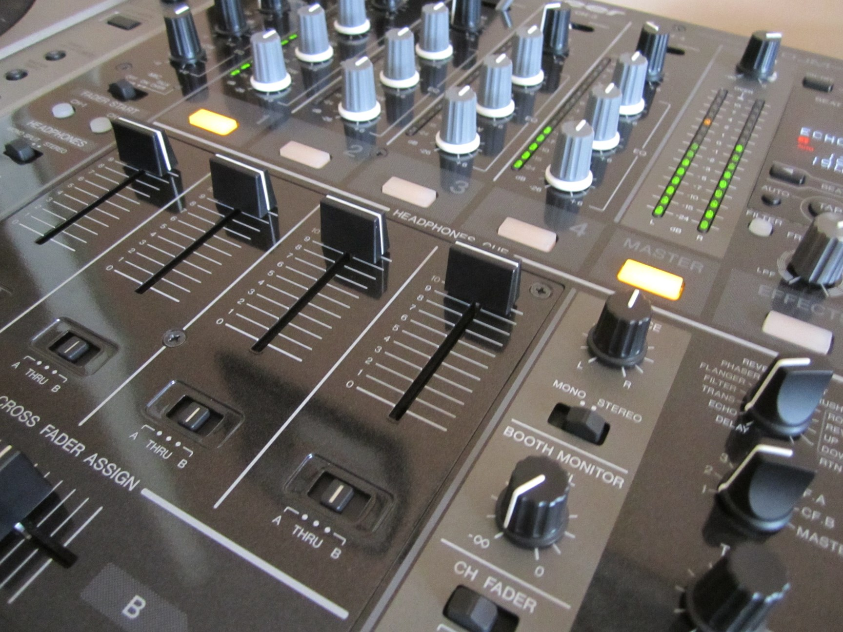 Achat pioneer djm 700 k d 39 occasion audiofanzine - Table de mixage pioneer occasion ...