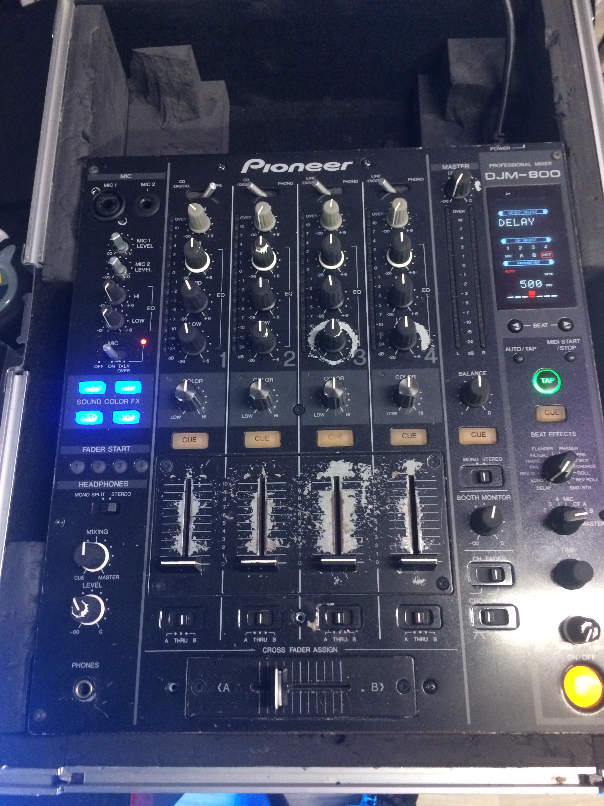 Table De Mixage Djm 800 Rh 244 Ne Alpes Audiofanzine