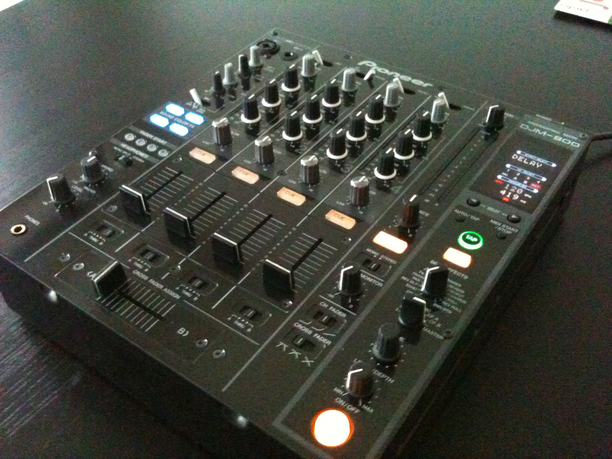 table de mixage pioneer djm 800