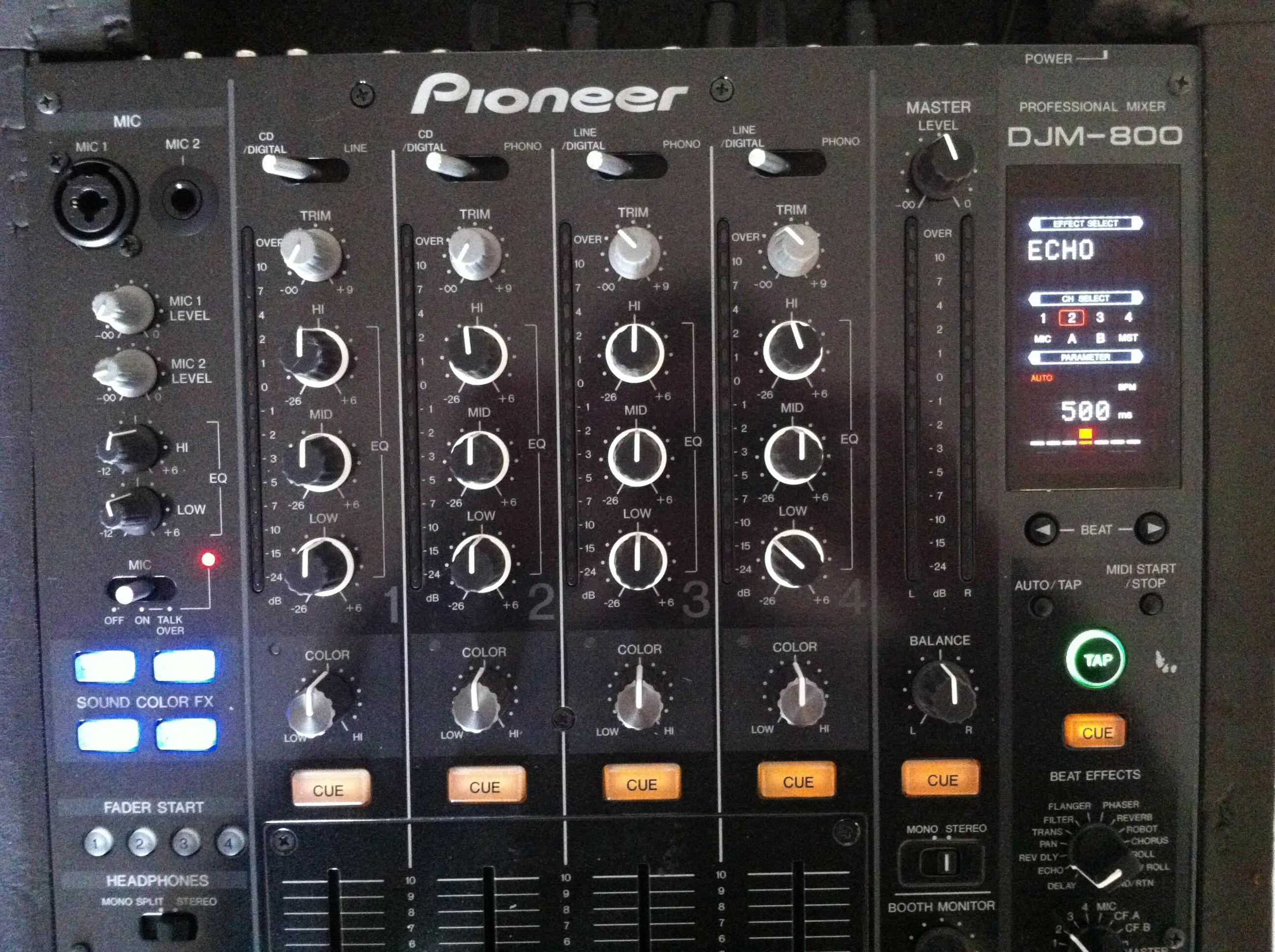 pioneer djm 800 image 505779 audiofanzine rh en audiofanzine com Pioneer 2000 CDJ with Mixer Pioneer DJ Mixer