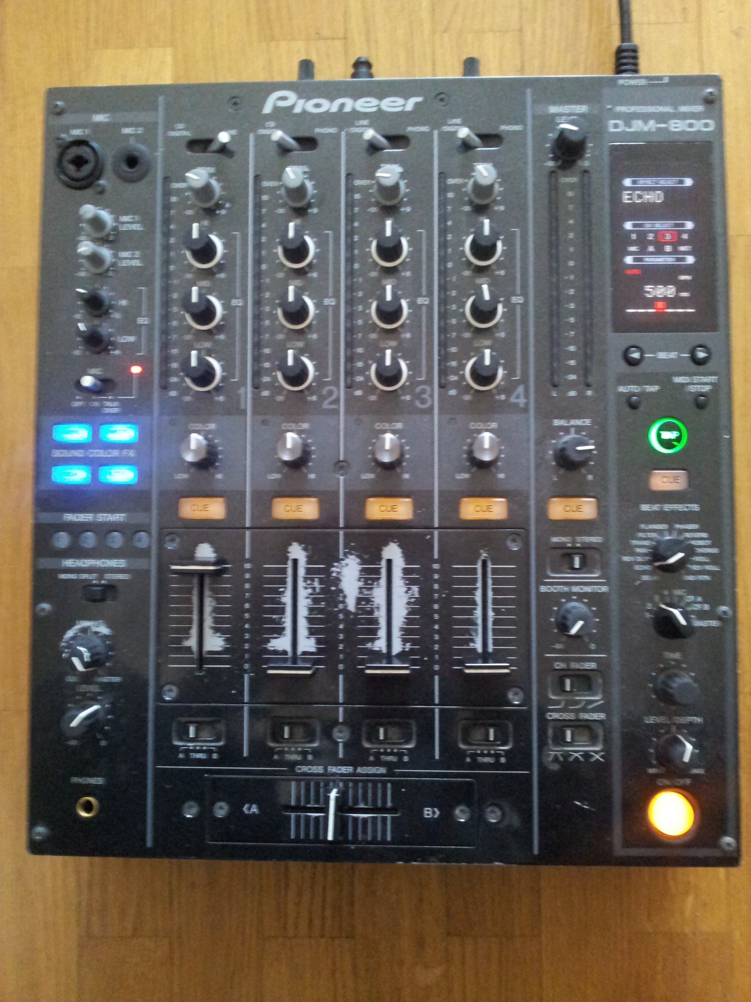 table de mixage djm 800 pioneer