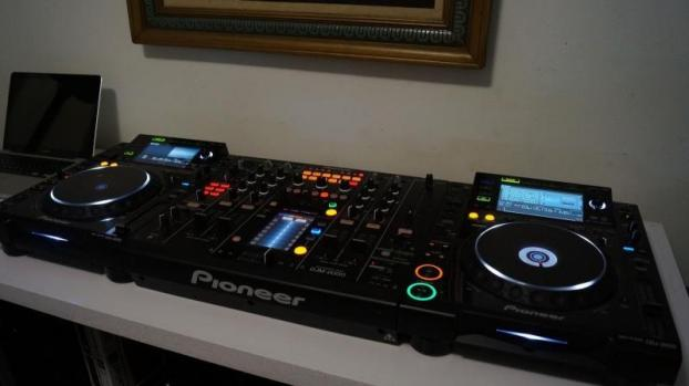 Pack pioneer cdj 2000 nexus table mixage djm 900 basse - Table de mixage pioneer occasion ...