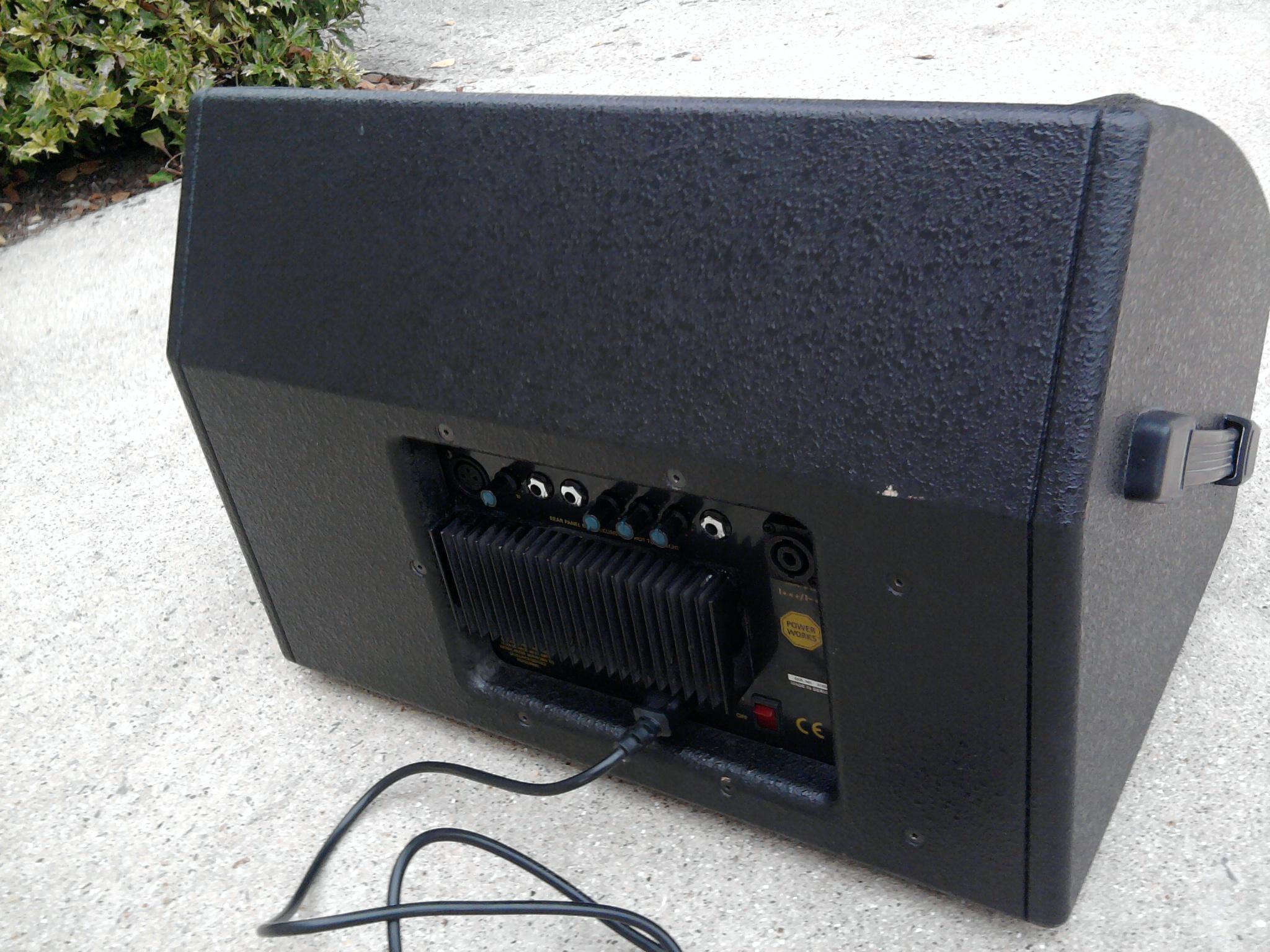 enceinte retour amplifi e power works rs 122 ma picardie audiofanzine. Black Bedroom Furniture Sets. Home Design Ideas
