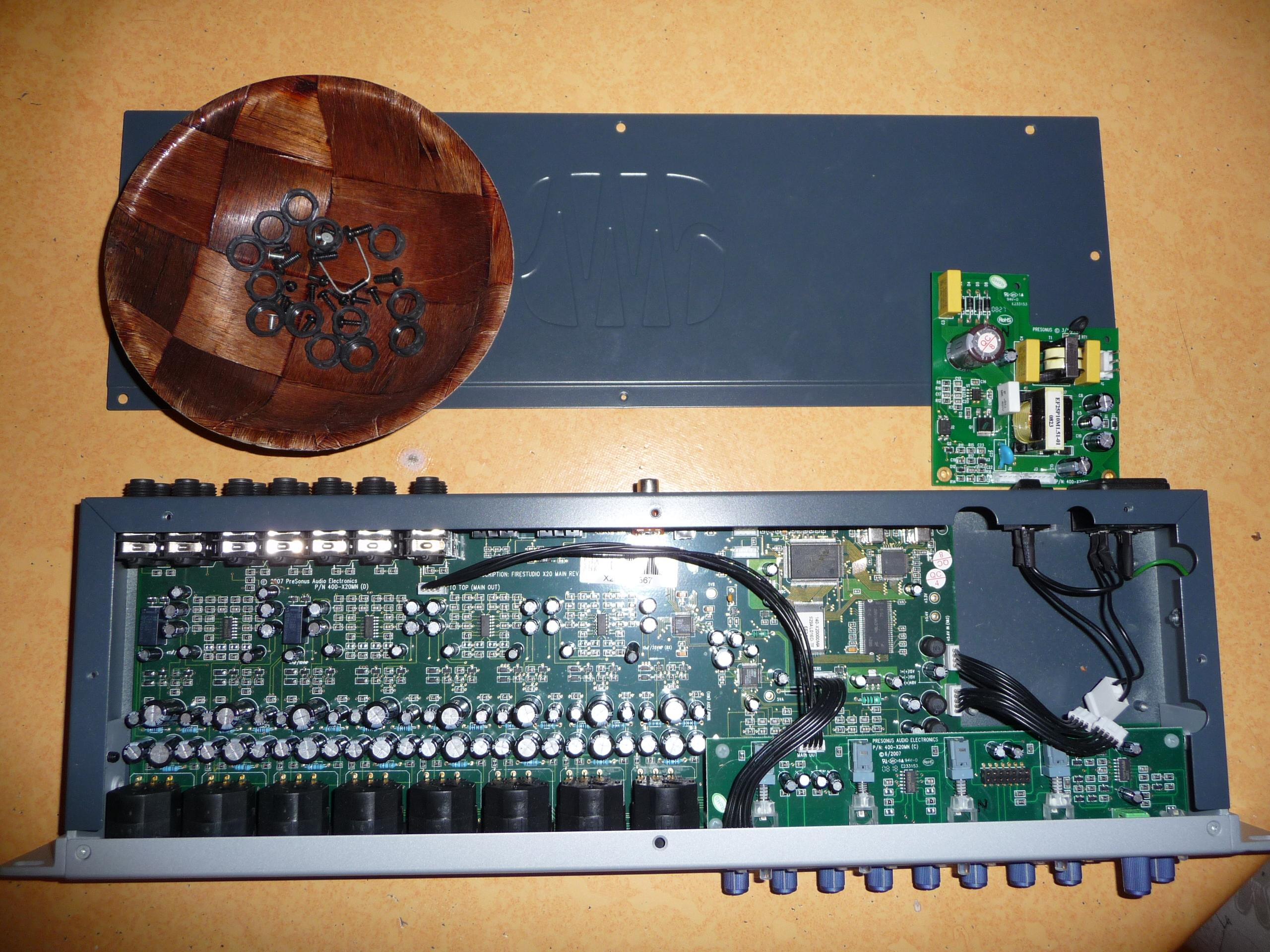 firestudio project Visão geral 12 características a firestudio project é um sistema de gravação em computador poderoso e acessível, a firestudio project vem equipada com 8 pré amplificadores de microfone.
