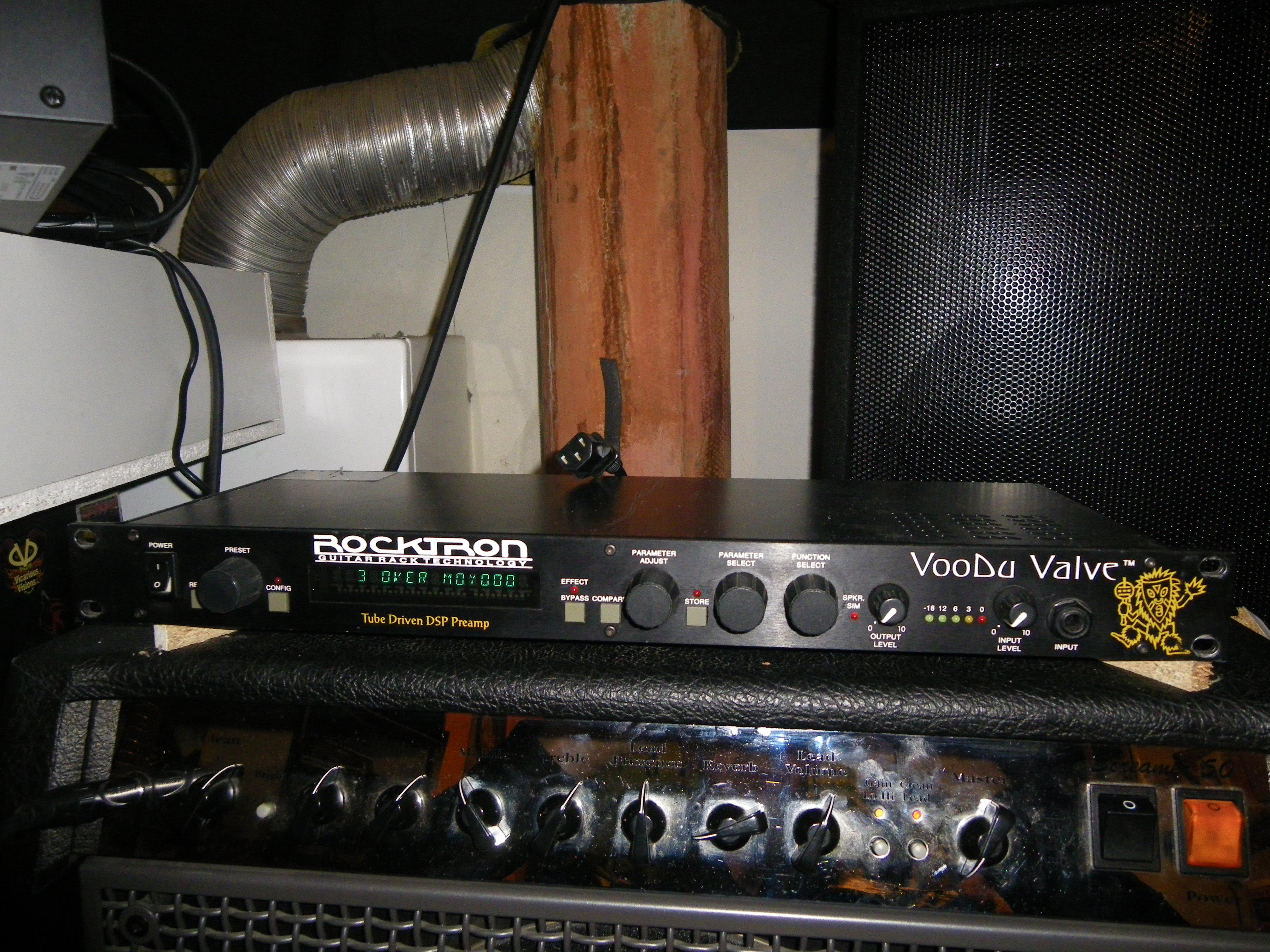 rocktron voodu valve image 1009477 audiofanzine. Black Bedroom Furniture Sets. Home Design Ideas