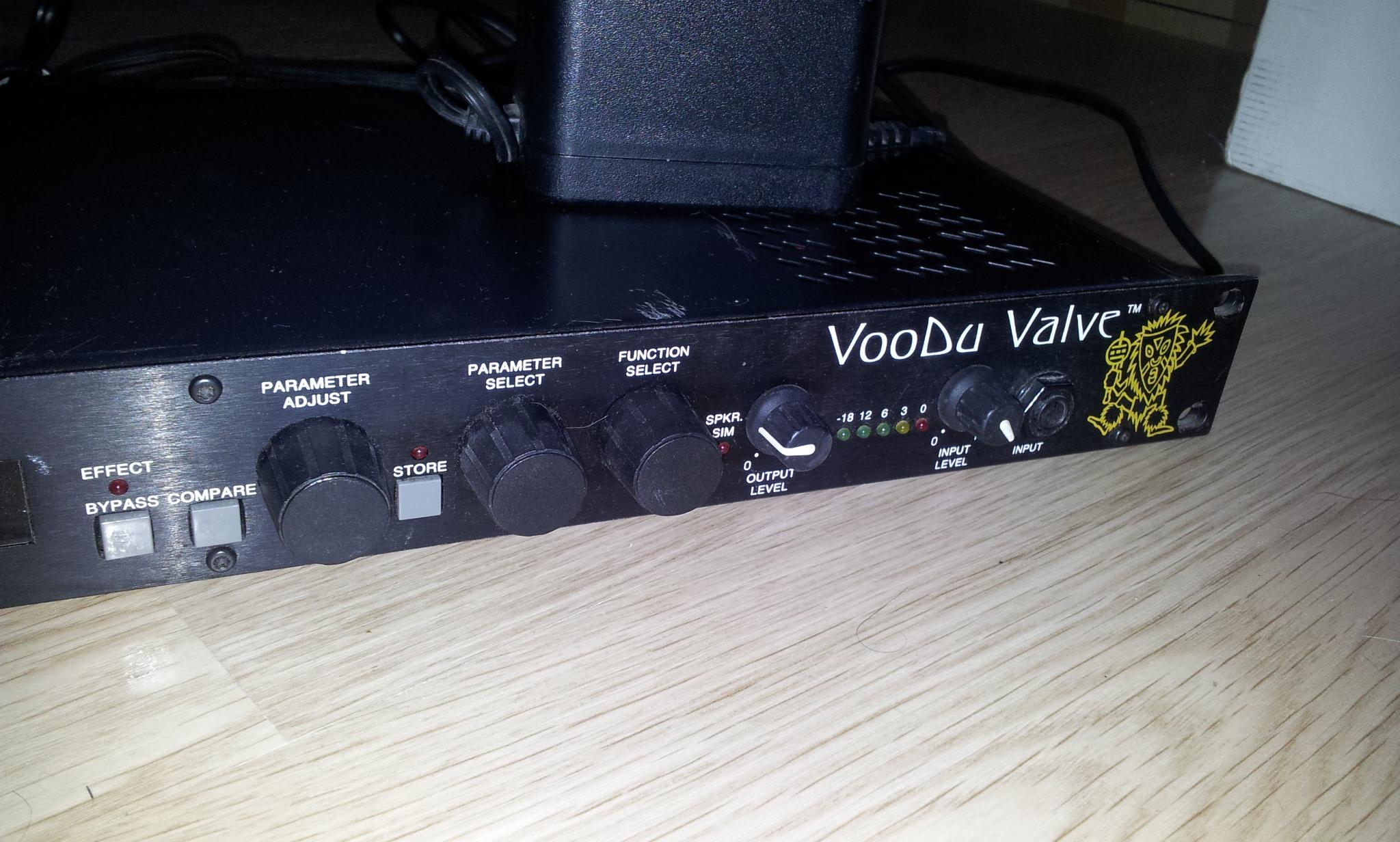 rocktron voodu valve image 736734 audiofanzine. Black Bedroom Furniture Sets. Home Design Ideas