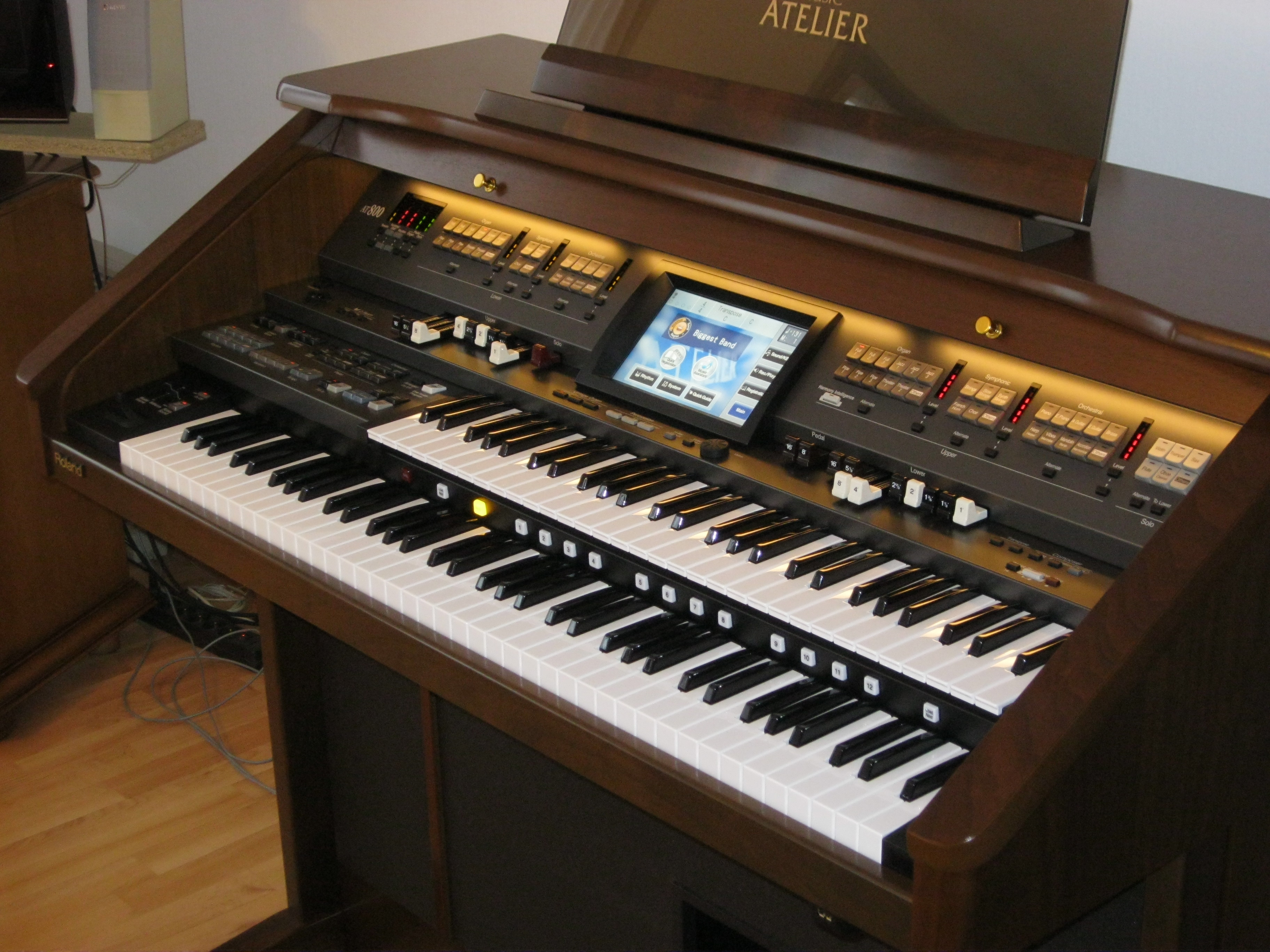 Drivers Update: Roland AT-800 Music Atelier