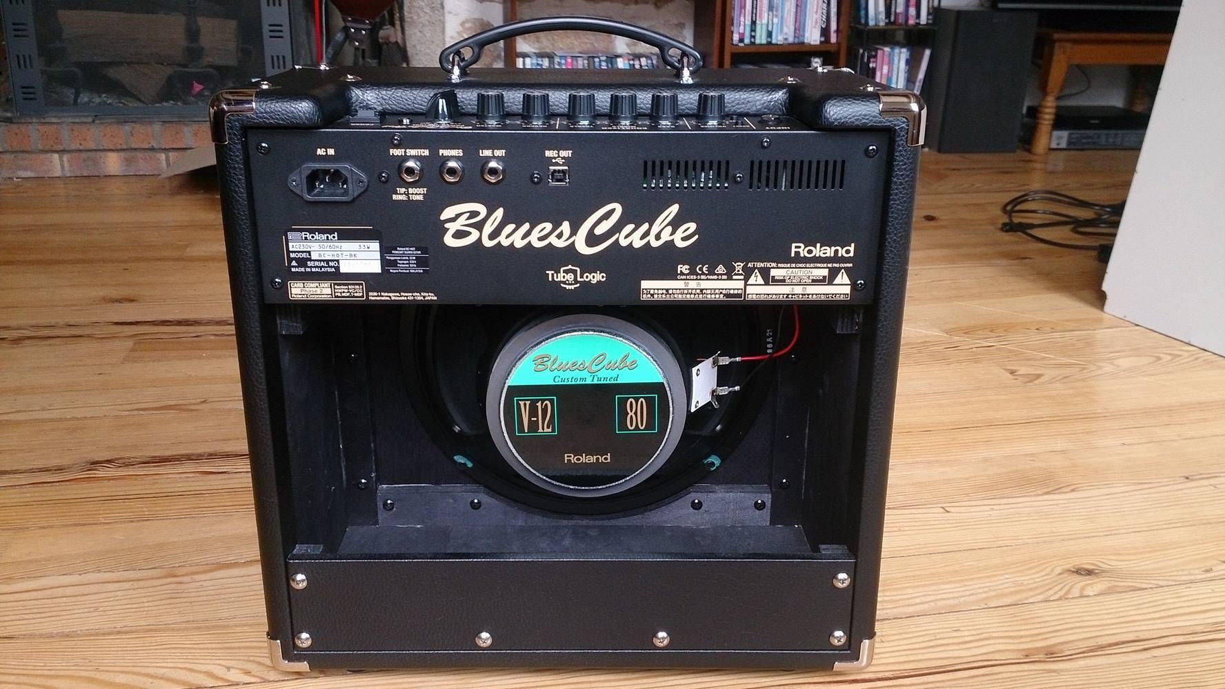 roland blues cube hot image 1803183 audiofanzine. Black Bedroom Furniture Sets. Home Design Ideas