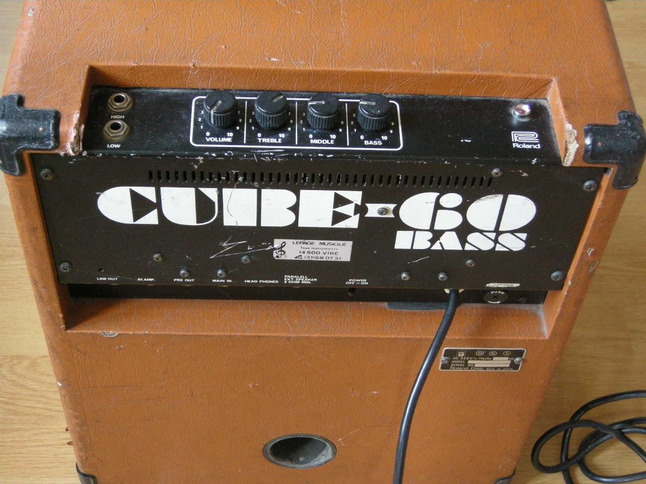 roland cube 60 bass image 667449 audiofanzine. Black Bedroom Furniture Sets. Home Design Ideas
