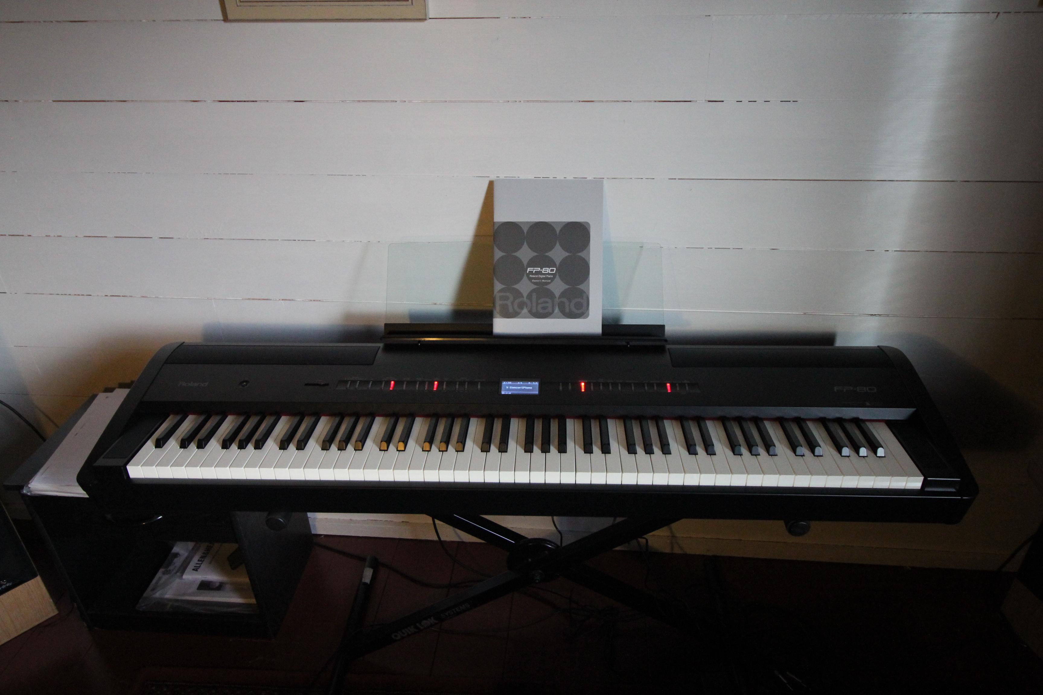 photo roland fp 80 roland fp 80 3303 1346106 audiofanzine. Black Bedroom Furniture Sets. Home Design Ideas