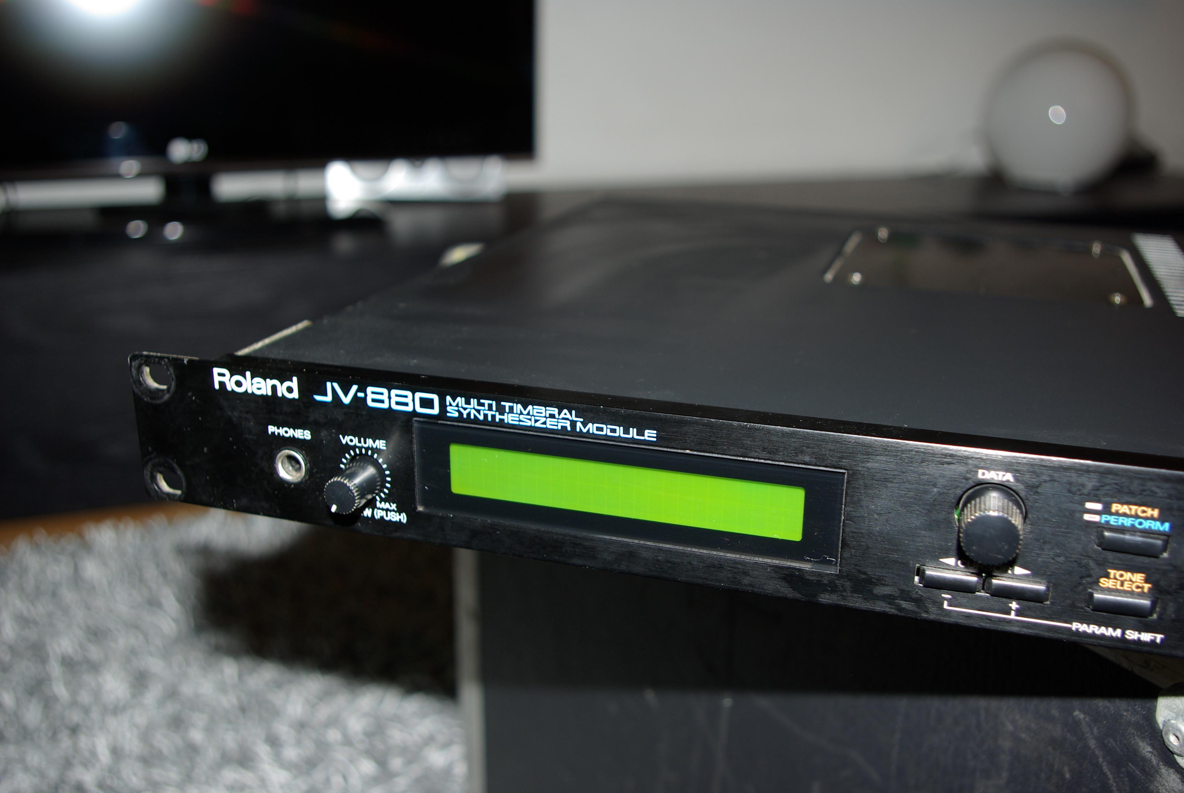 roland jv 880 image 245888 audiofanzine rh en audiofanzine com Roland JV 880 Sound Module roland jv 880 manual pdf