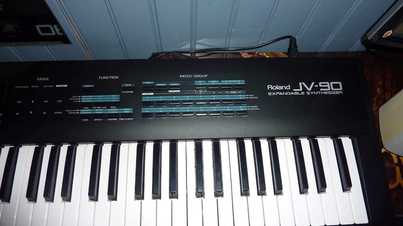 Roland jv90