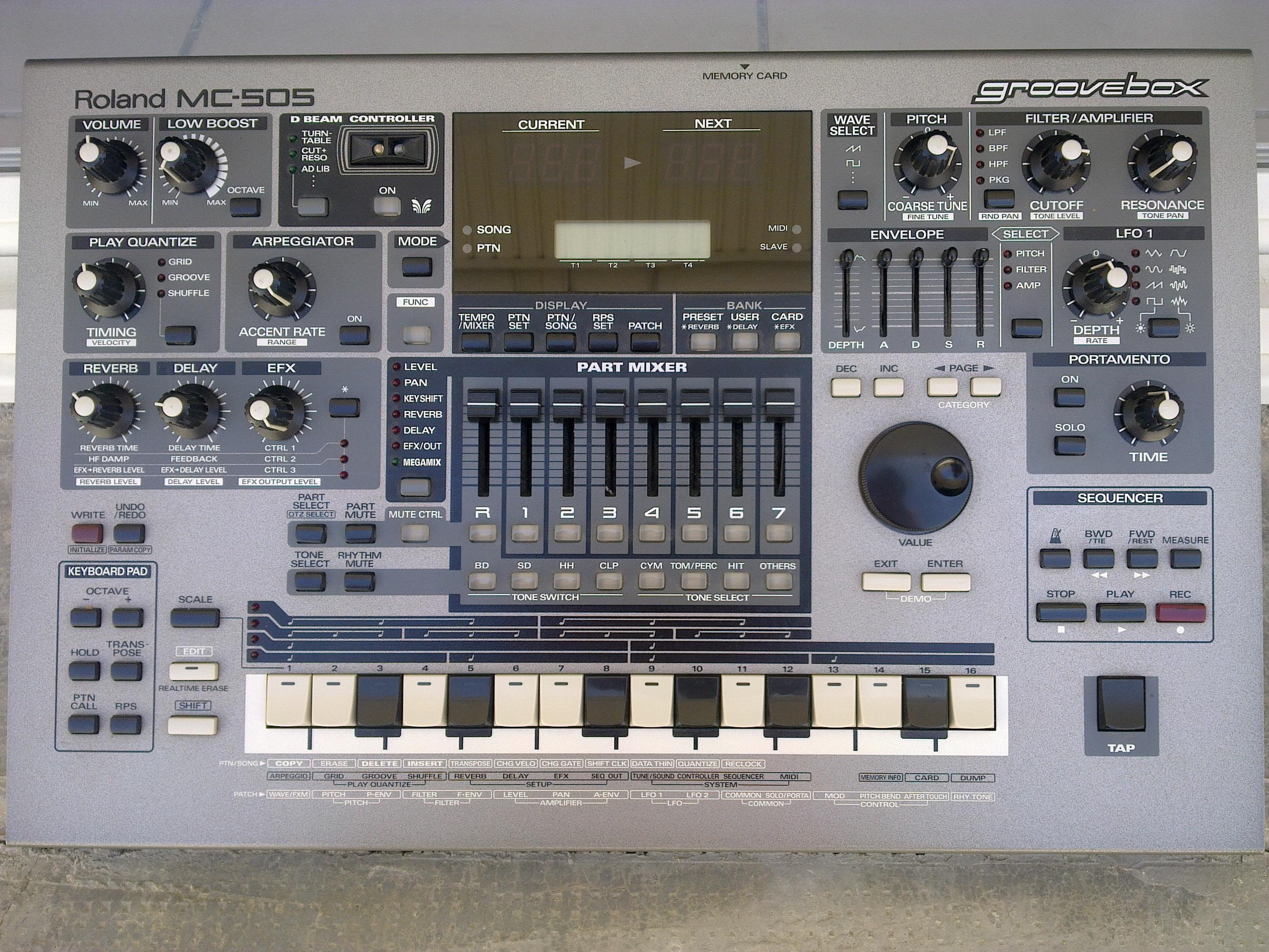roland-mc-505-231052.jpg