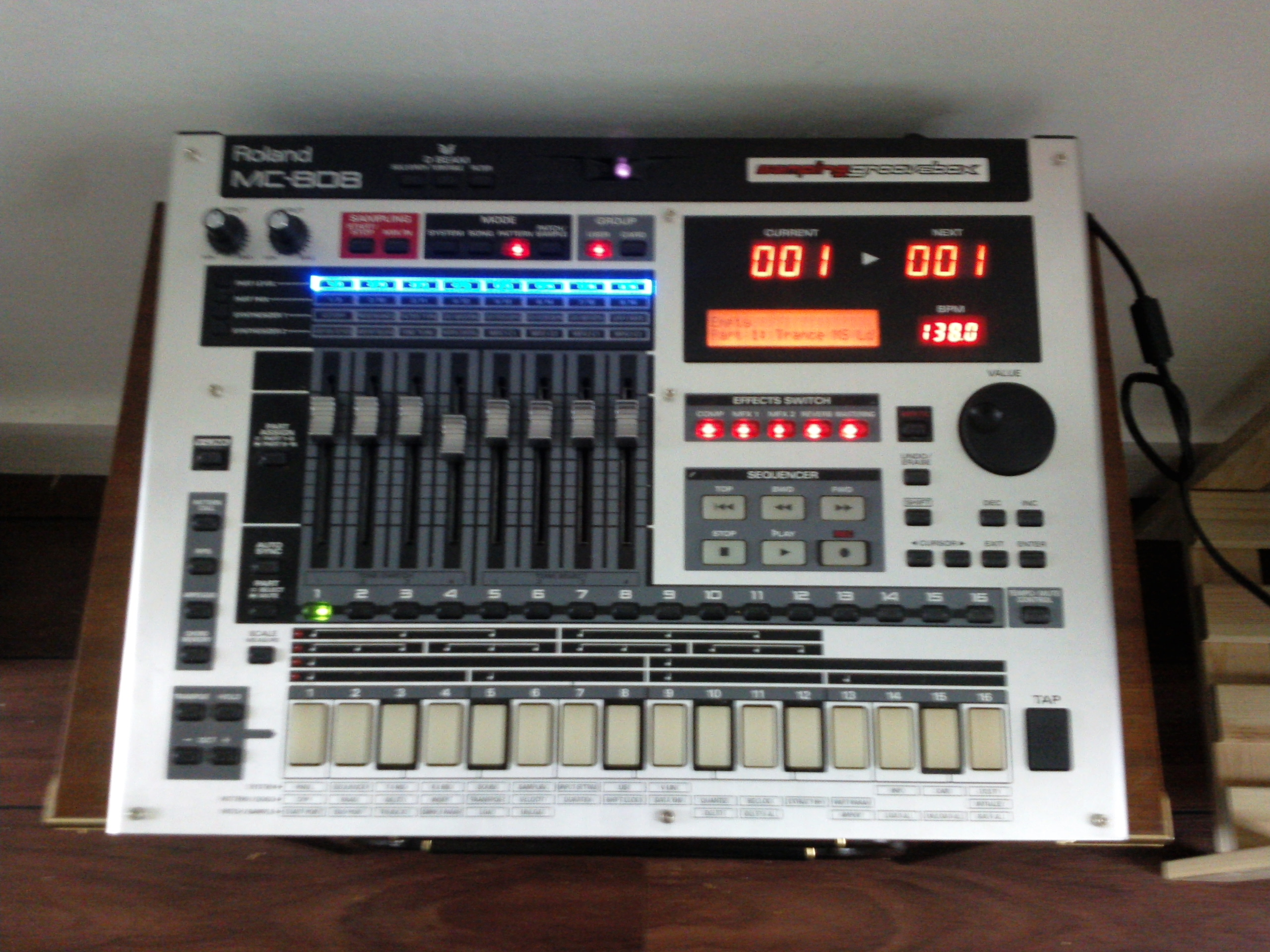 Plug-in equivalent of Roland MC 808/909 Groovebox? - Gearslutz Pro ...