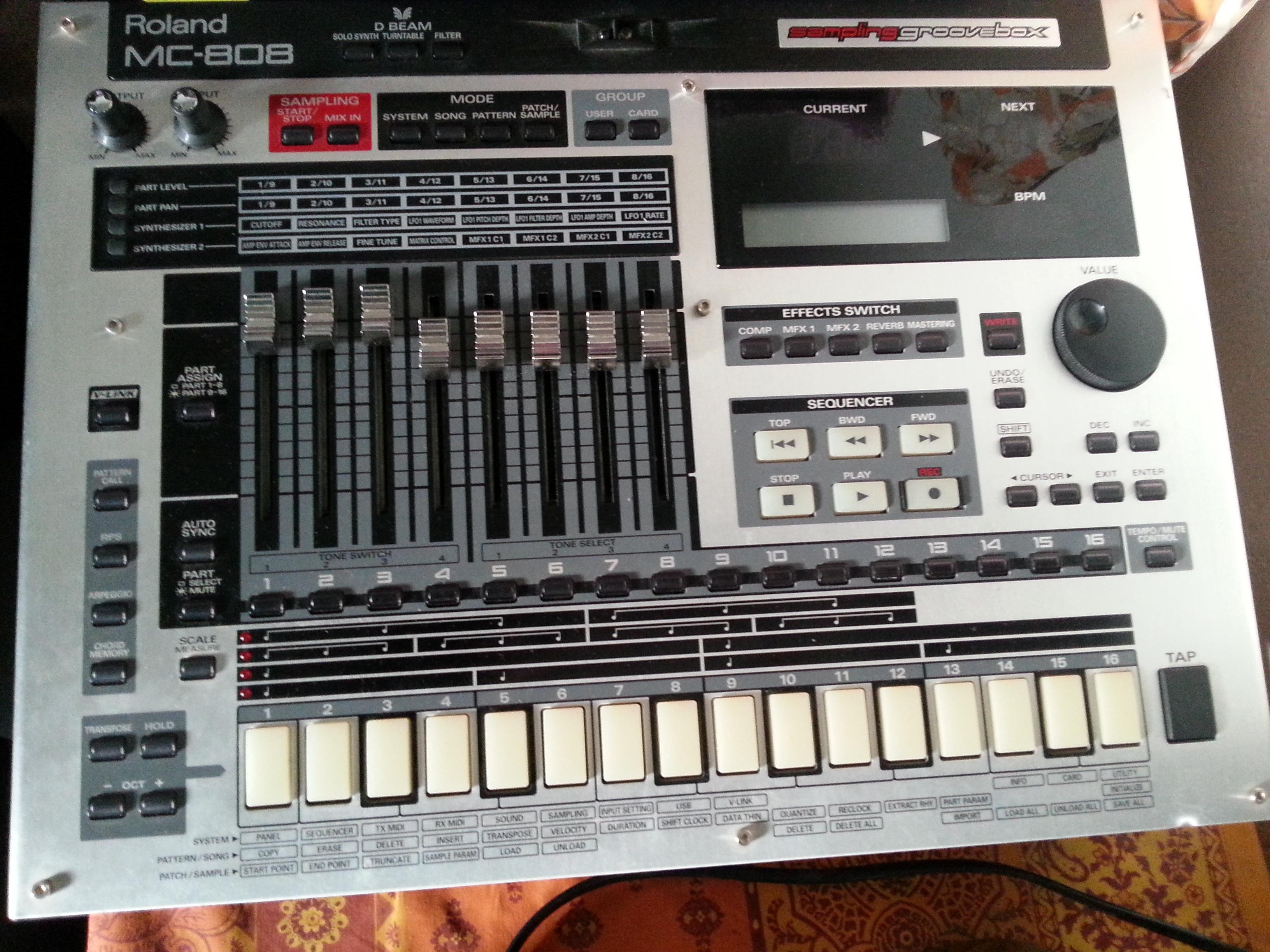 Roland MC-808 image (#1073051) - Audiofanzine