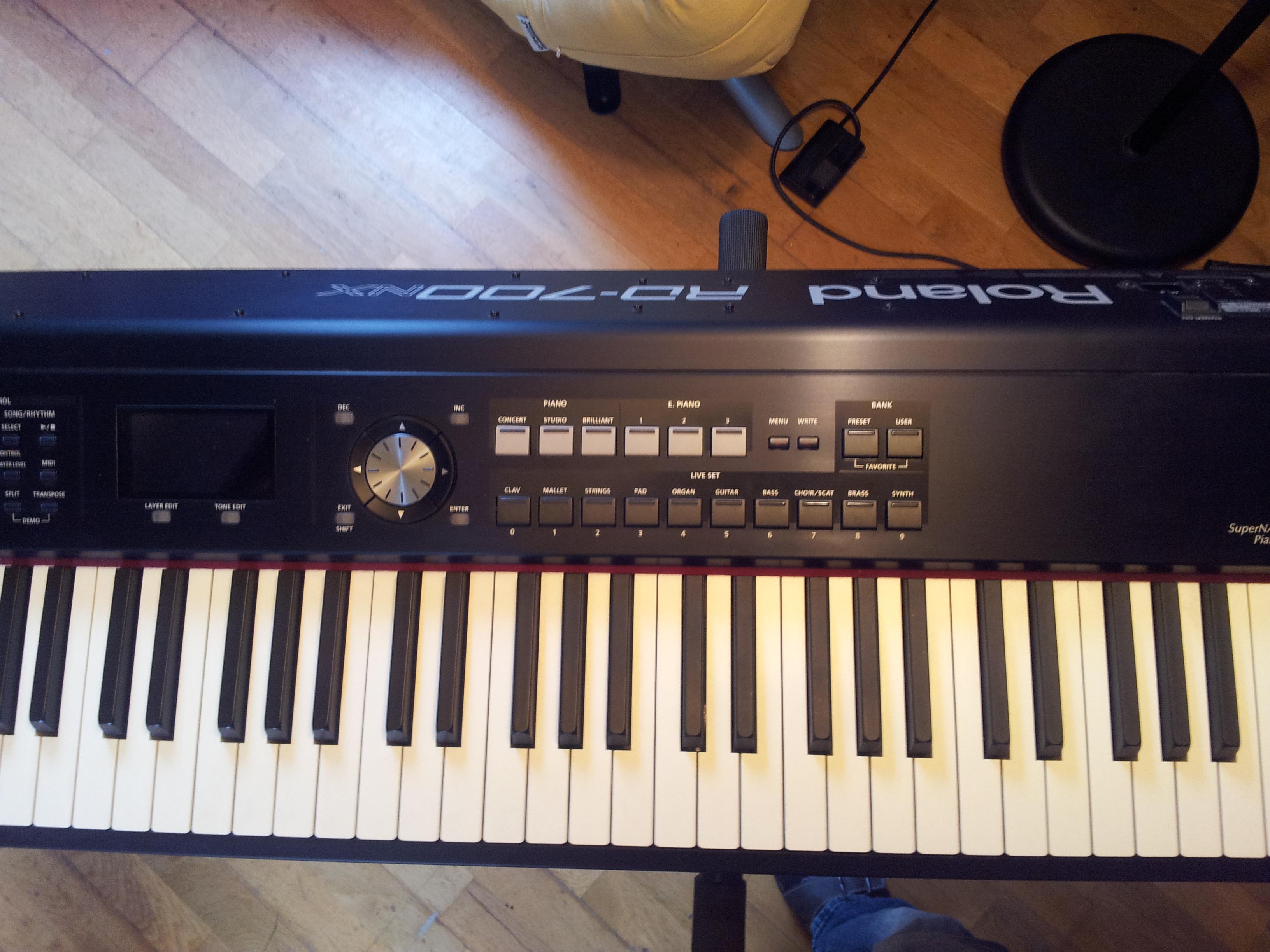 roland rd 700nx image 516700 audiofanzine rh en audiofanzine com Roland RD- 700 roland rd-700nx review keyboard magazine