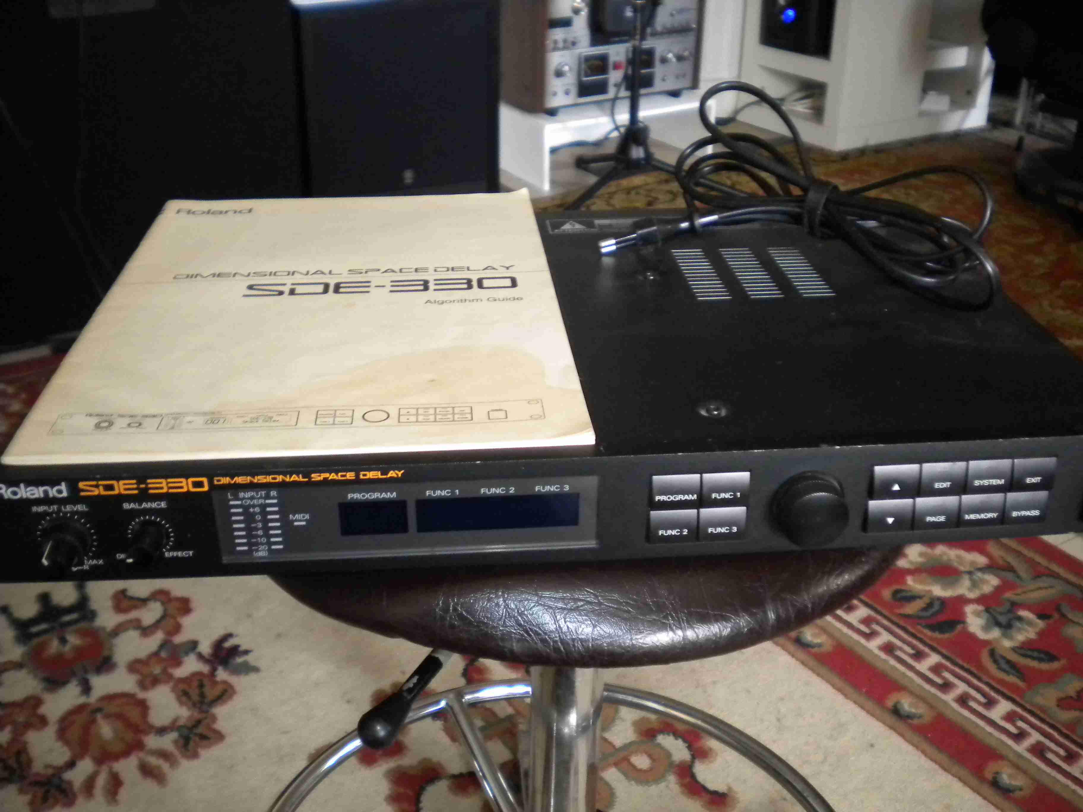 roland sde 330 image 119467 audiofanzine rh en audiofanzine com Roland BA-330 Roland BA-330