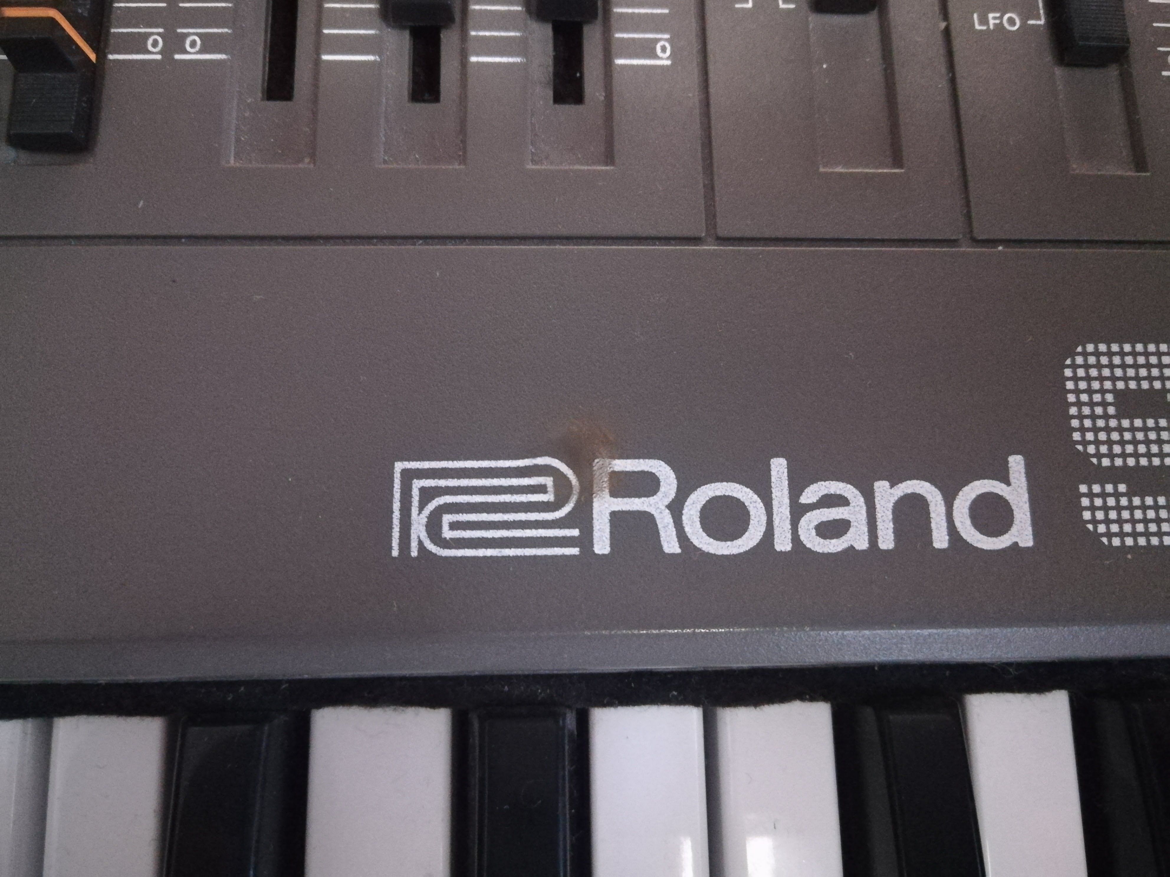 sh-101 - roland sh-101
