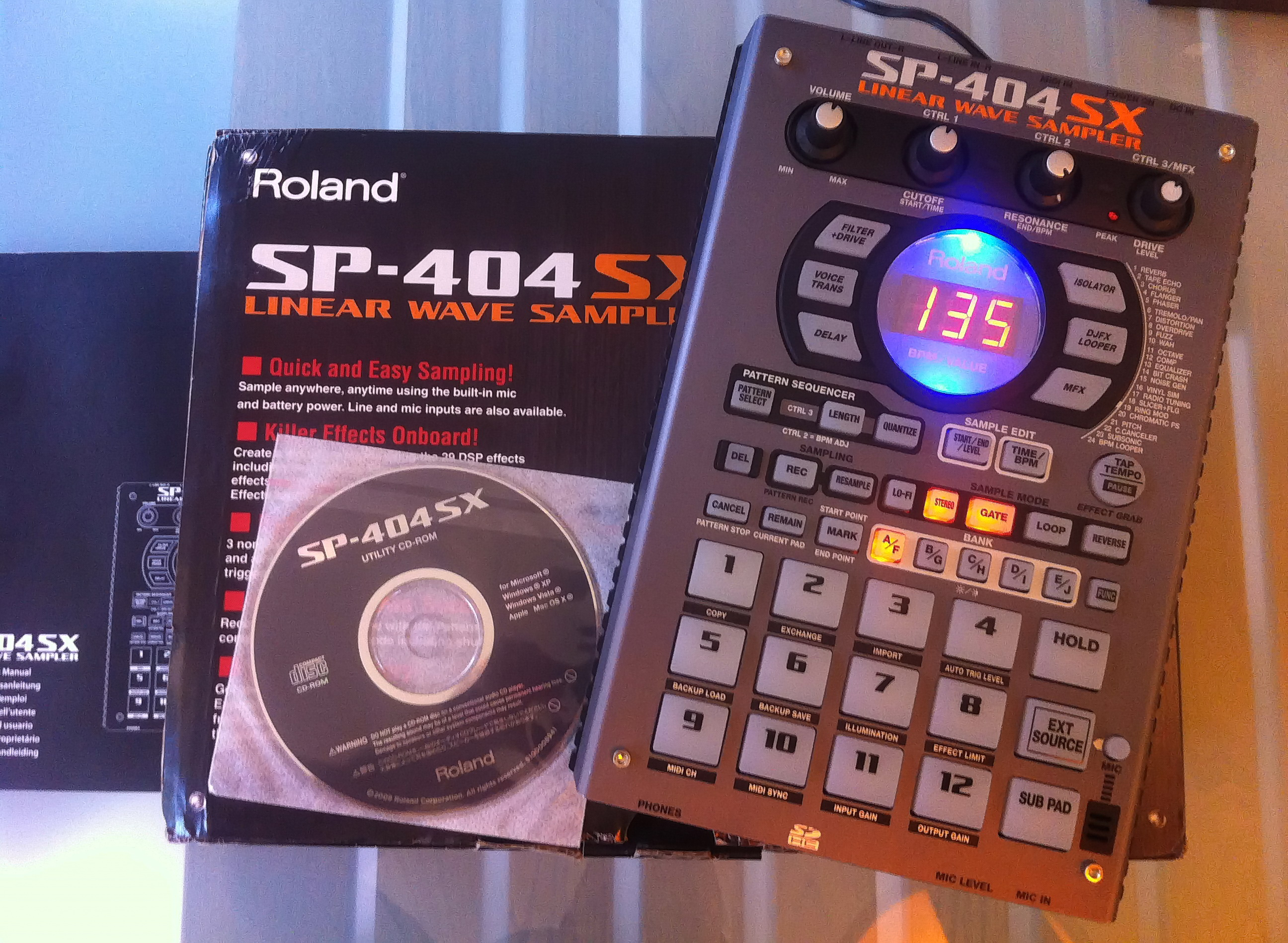 roland sp 404sx image 711759 audiofanzine. Black Bedroom Furniture Sets. Home Design Ideas