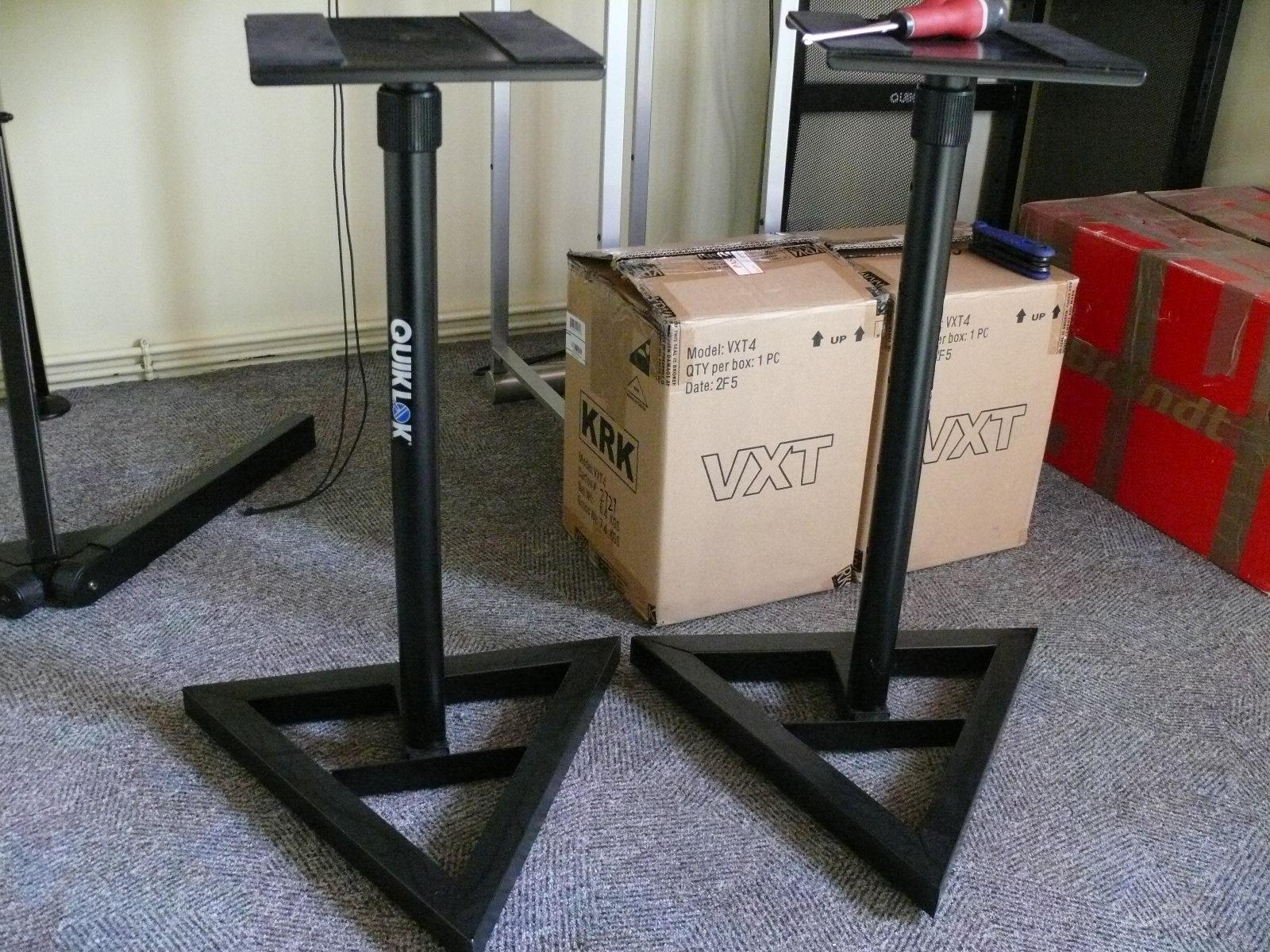 photo rtx smr rtx pieds d 39 enceinte rtx smr 378486. Black Bedroom Furniture Sets. Home Design Ideas