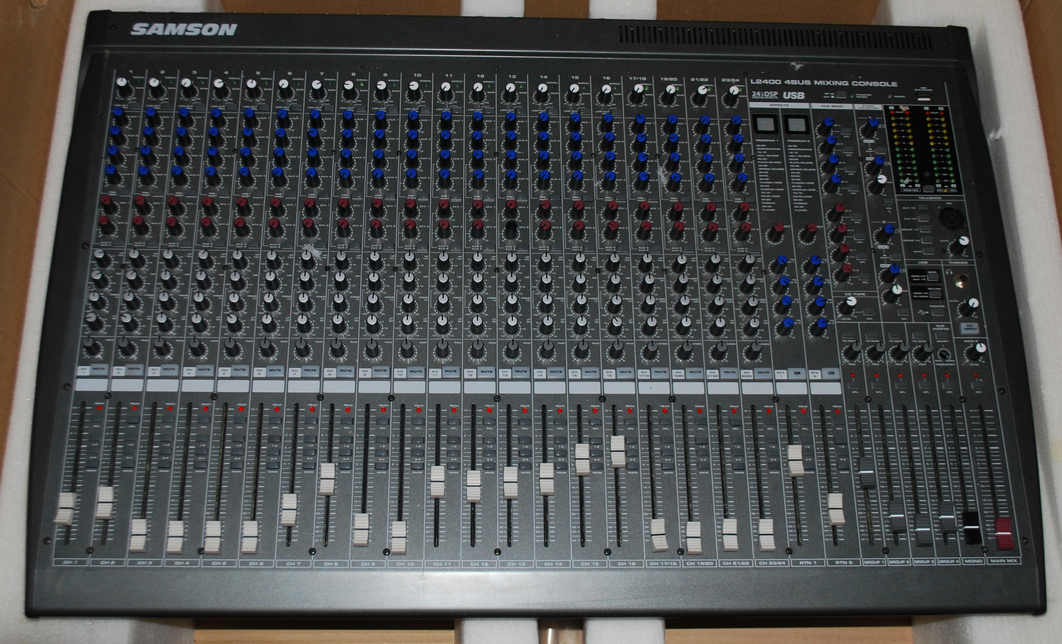 table de mixage samson l2400 auvergne audiofanzine. Black Bedroom Furniture Sets. Home Design Ideas