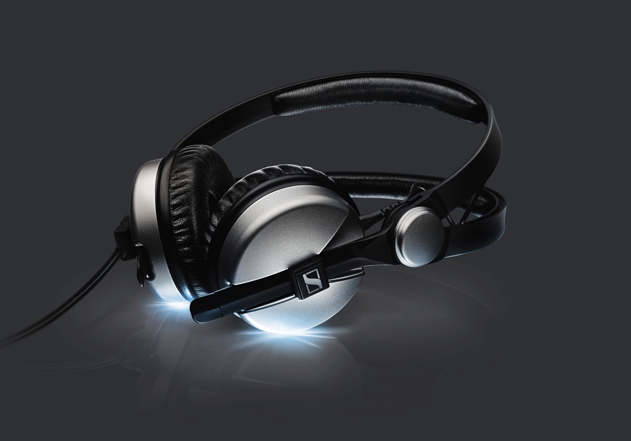 https://medias.audiofanzine.com/images/normal/sennheiser-hd-25-aluminum-818658.jpg