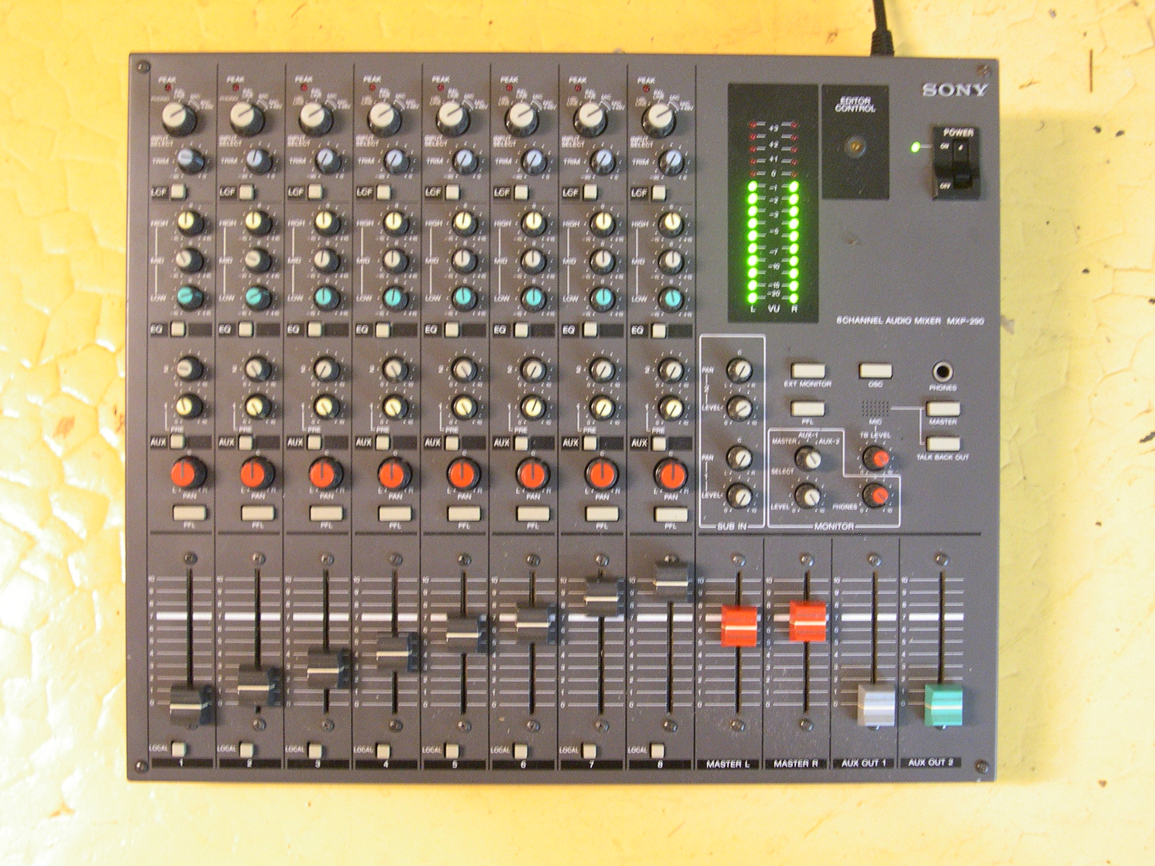 sony mxp 290 image 765382 audiofanzine rh en audiofanzine com Sony DAV HDX576WF Manual Sony Operating Manuals