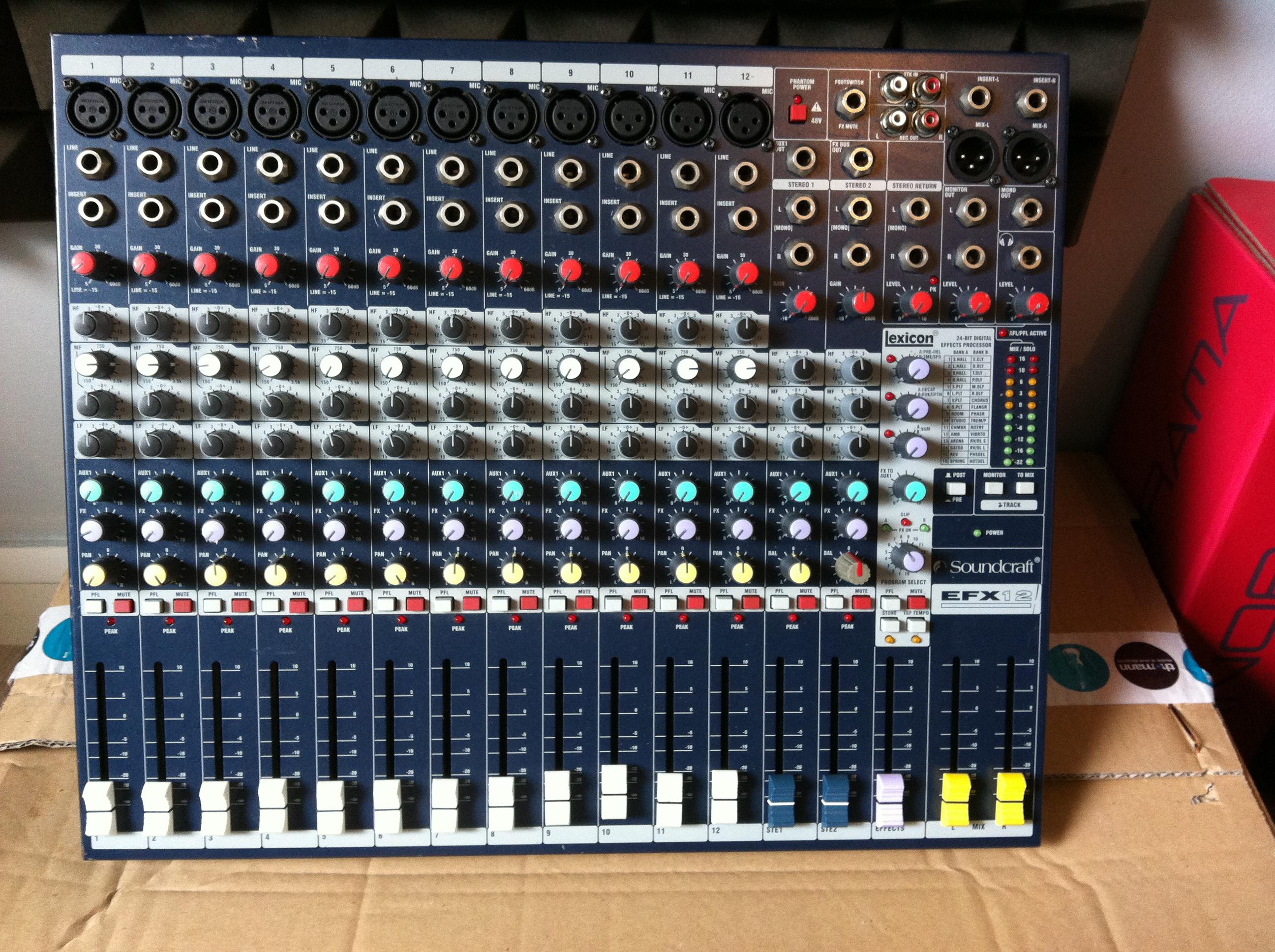 Photo soundcraft efx12 soundcraft efx12 71922 1825712 audiofanzine - Console analogique occasion ...