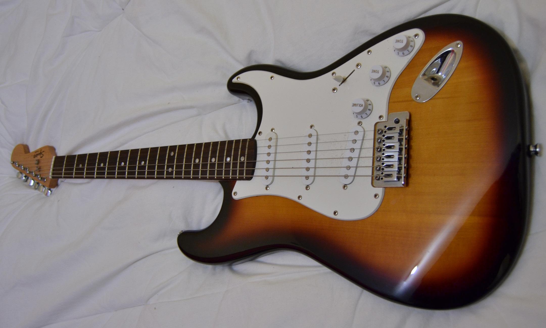 sunburst with maple neck hard to find fender stratocaster guitar forum. Black Bedroom Furniture Sets. Home Design Ideas