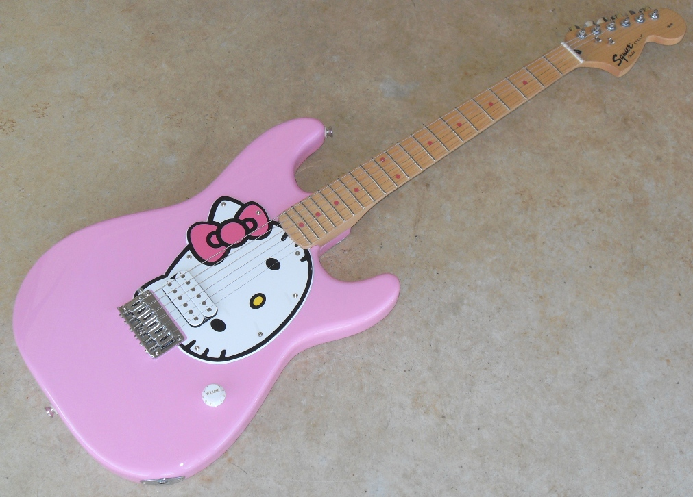 squier-hello-kitty-strat-624102.jpg