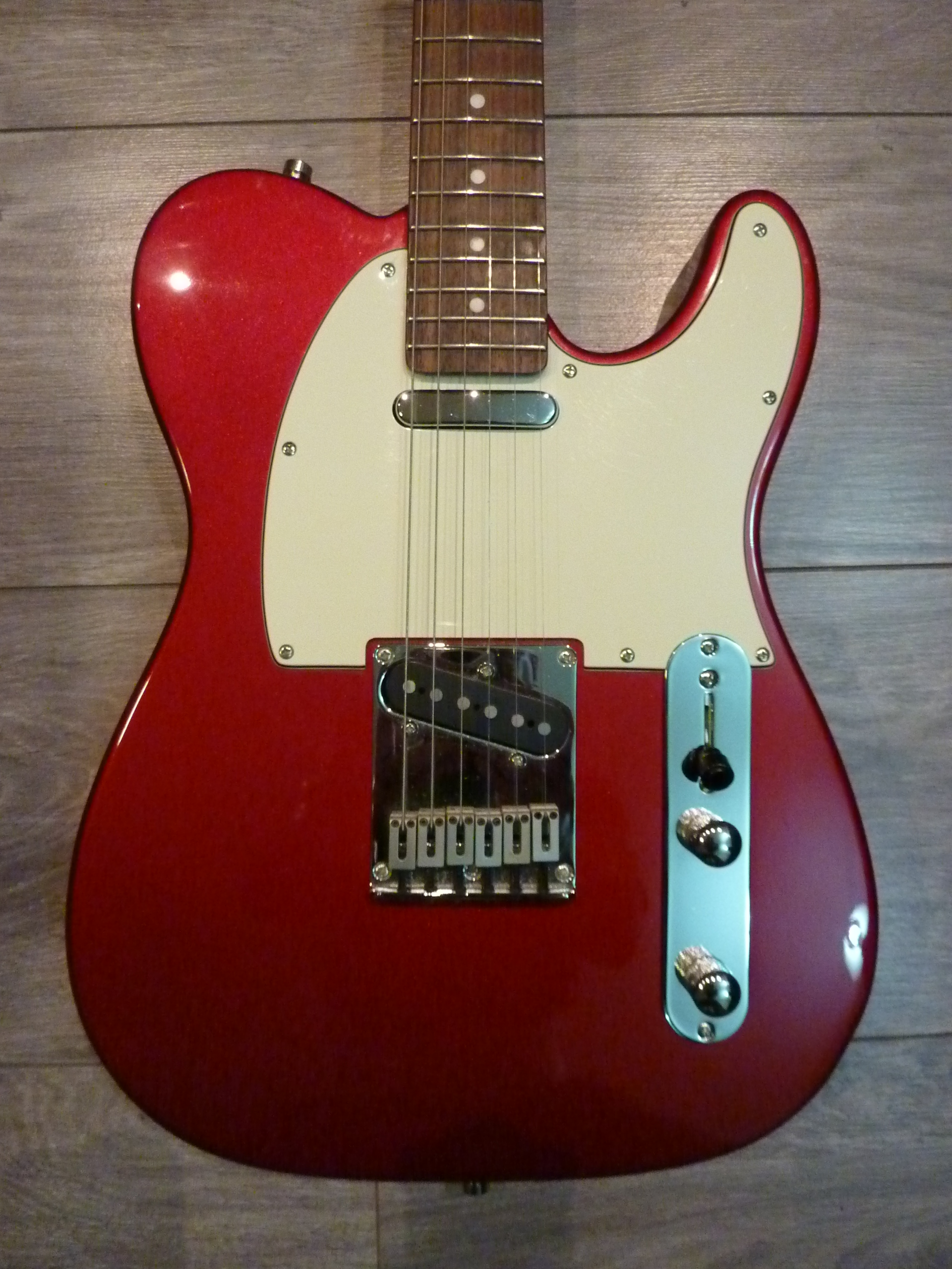 photo squier standard tele squier standard telecaster candy apple red rosewood 702822. Black Bedroom Furniture Sets. Home Design Ideas