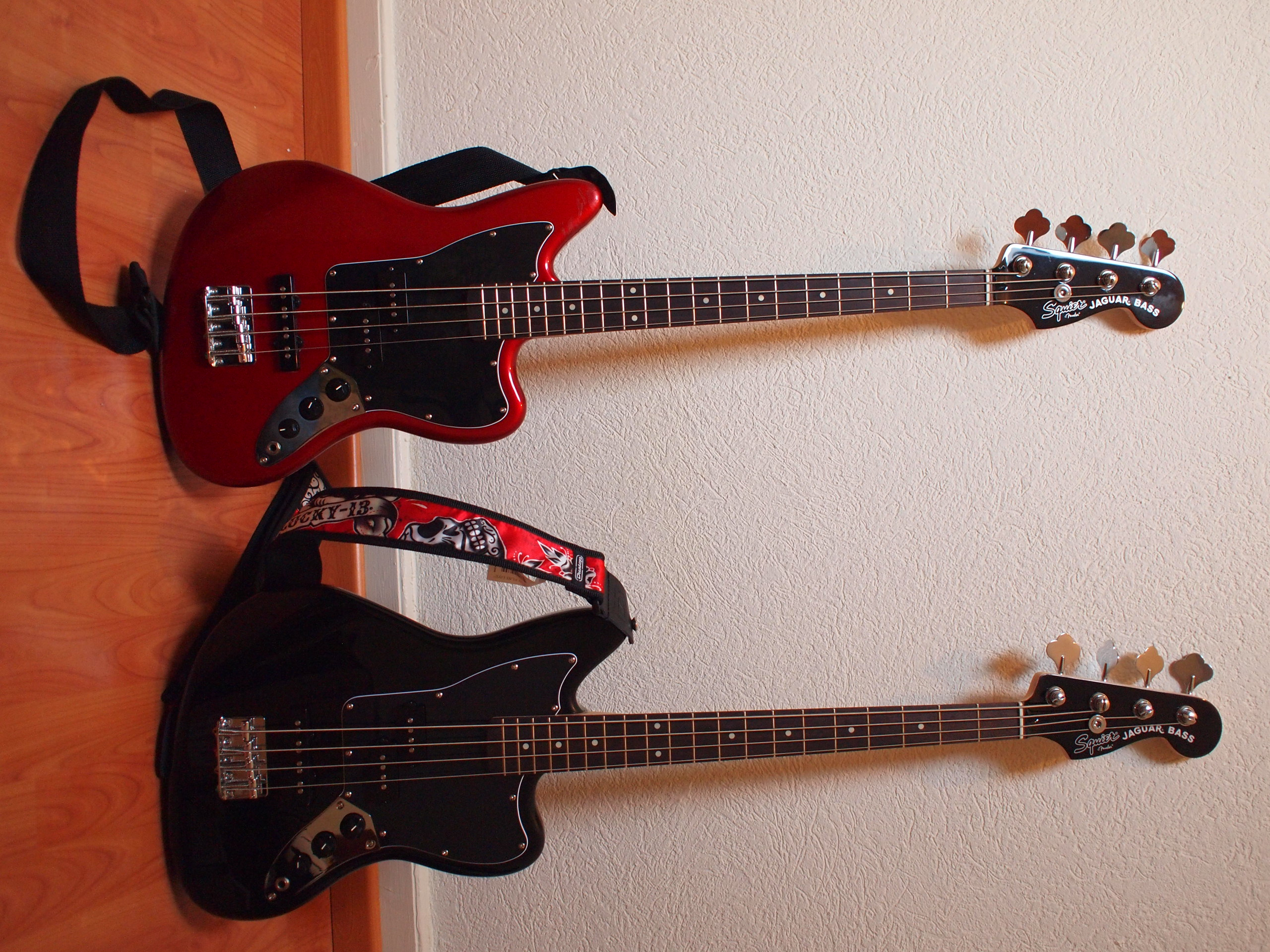 squier vintage modified jaguar bass special ss candy apple red. Cars Review. Best American Auto & Cars Review