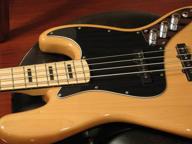 arcade-squier-vintage-modified-jazz-bass-guitar-out-hairy