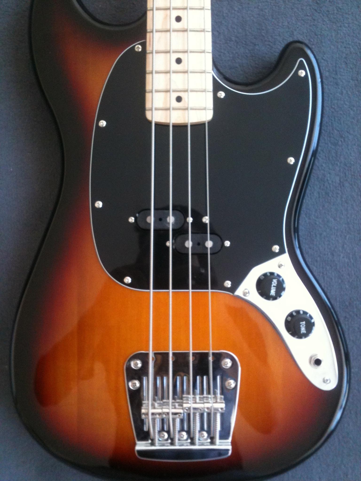 squier vintage modified mustang bass image 797592 audiofanzine. Black Bedroom Furniture Sets. Home Design Ideas