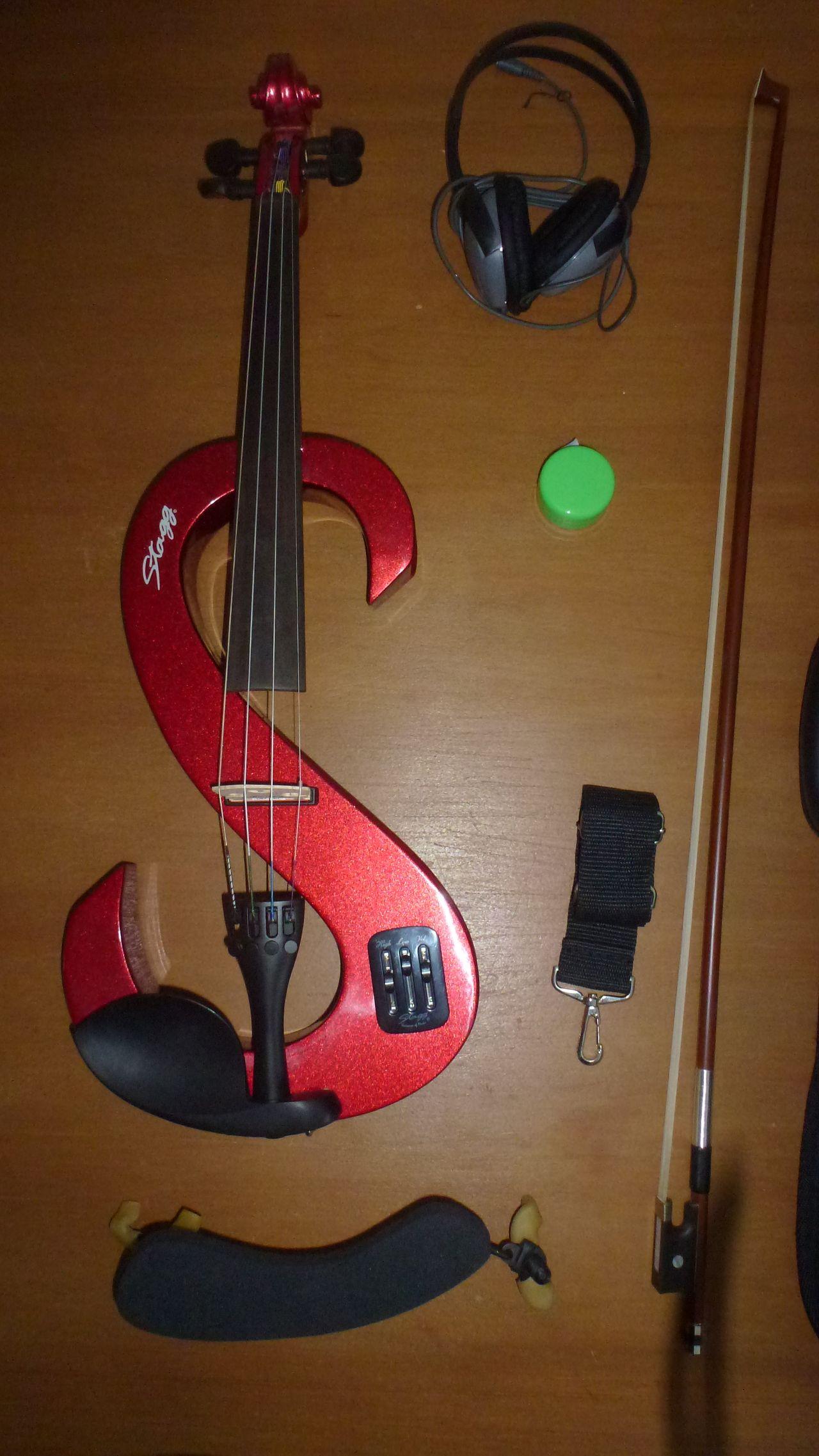 set violon lectrique rouge stagg pays de la loire. Black Bedroom Furniture Sets. Home Design Ideas