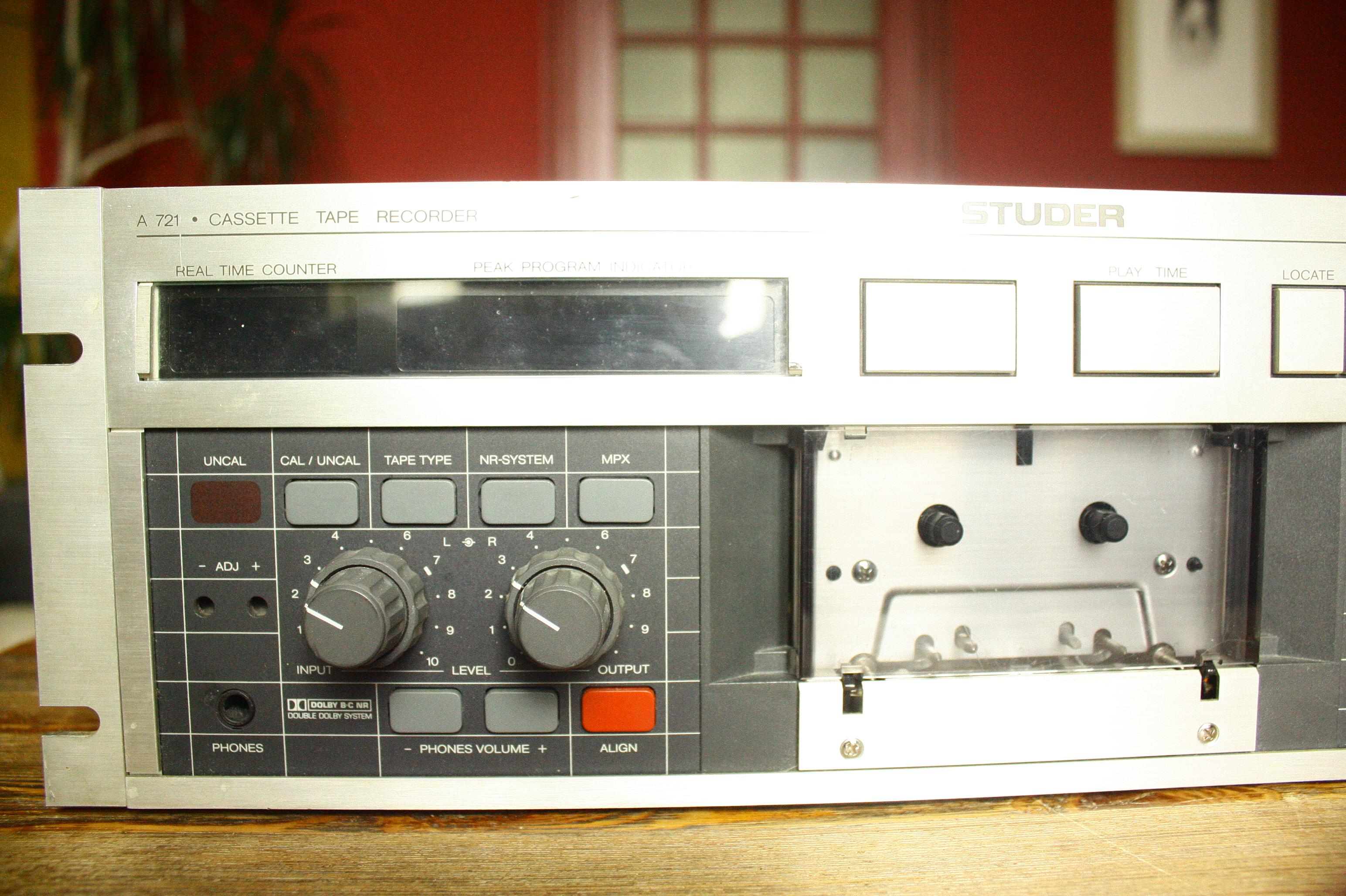 Cassette deck hook up