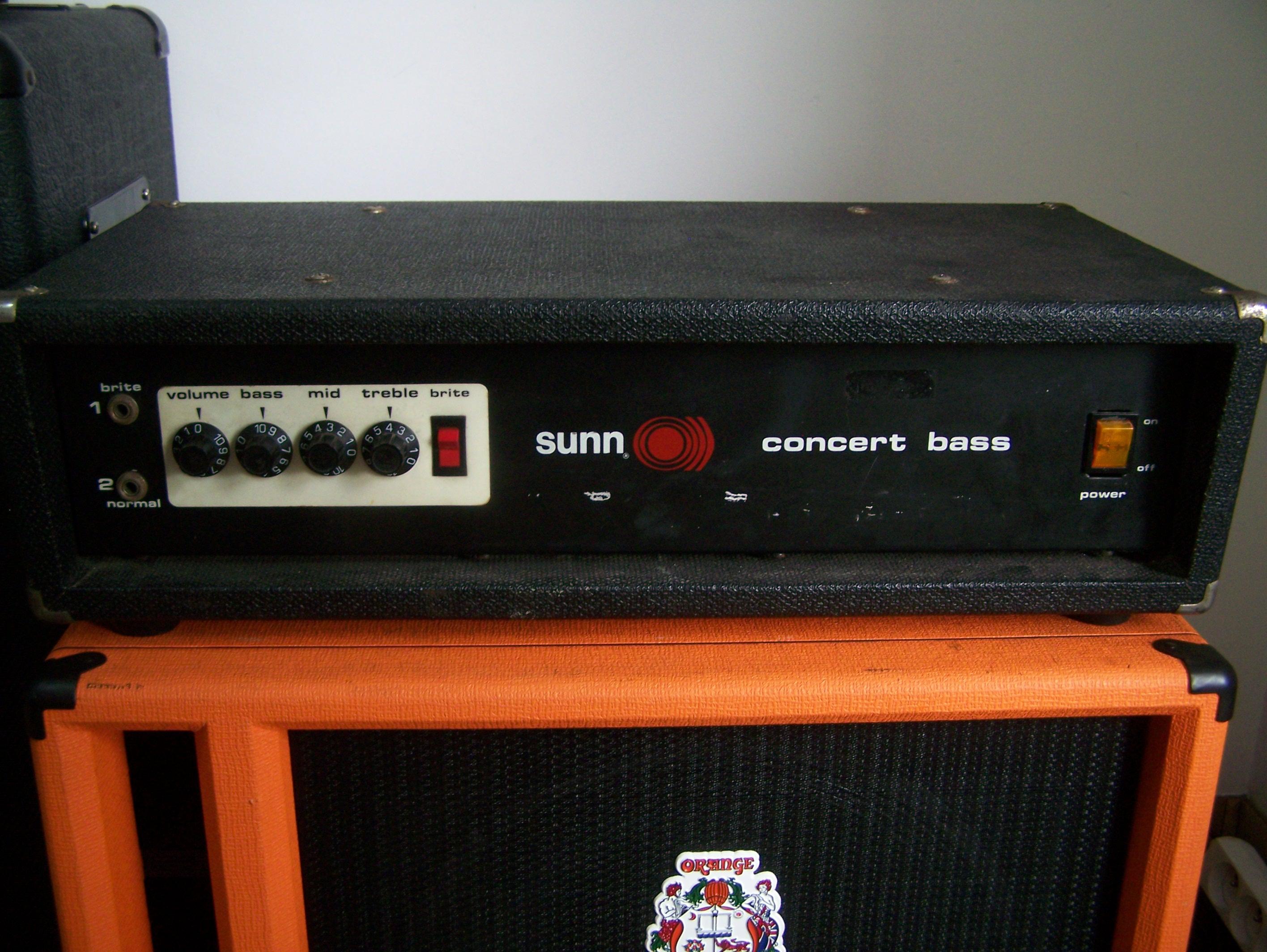 sunn concert bass image 419929 audiofanzine. Black Bedroom Furniture Sets. Home Design Ideas