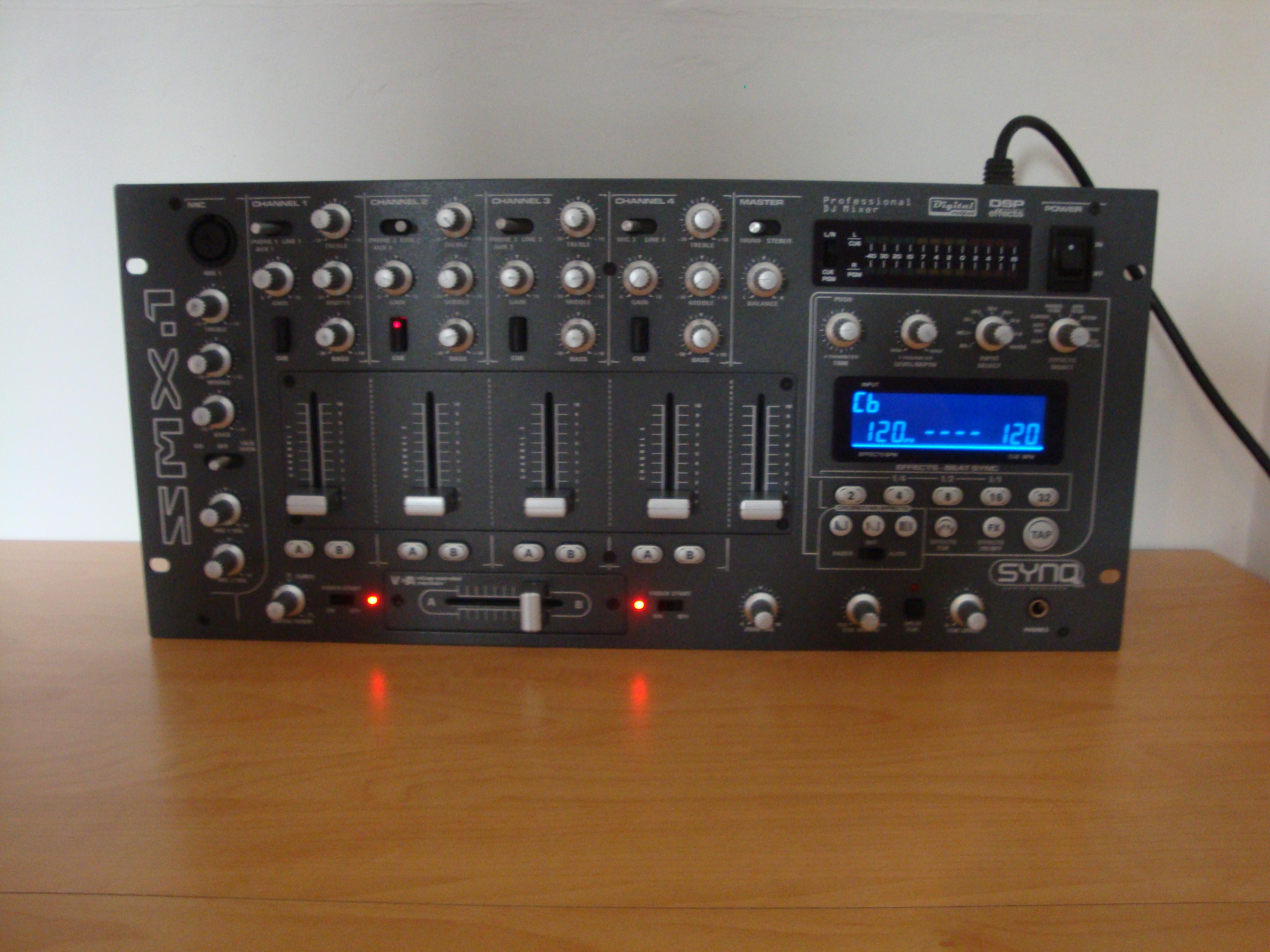 table de mixage synq smx 1