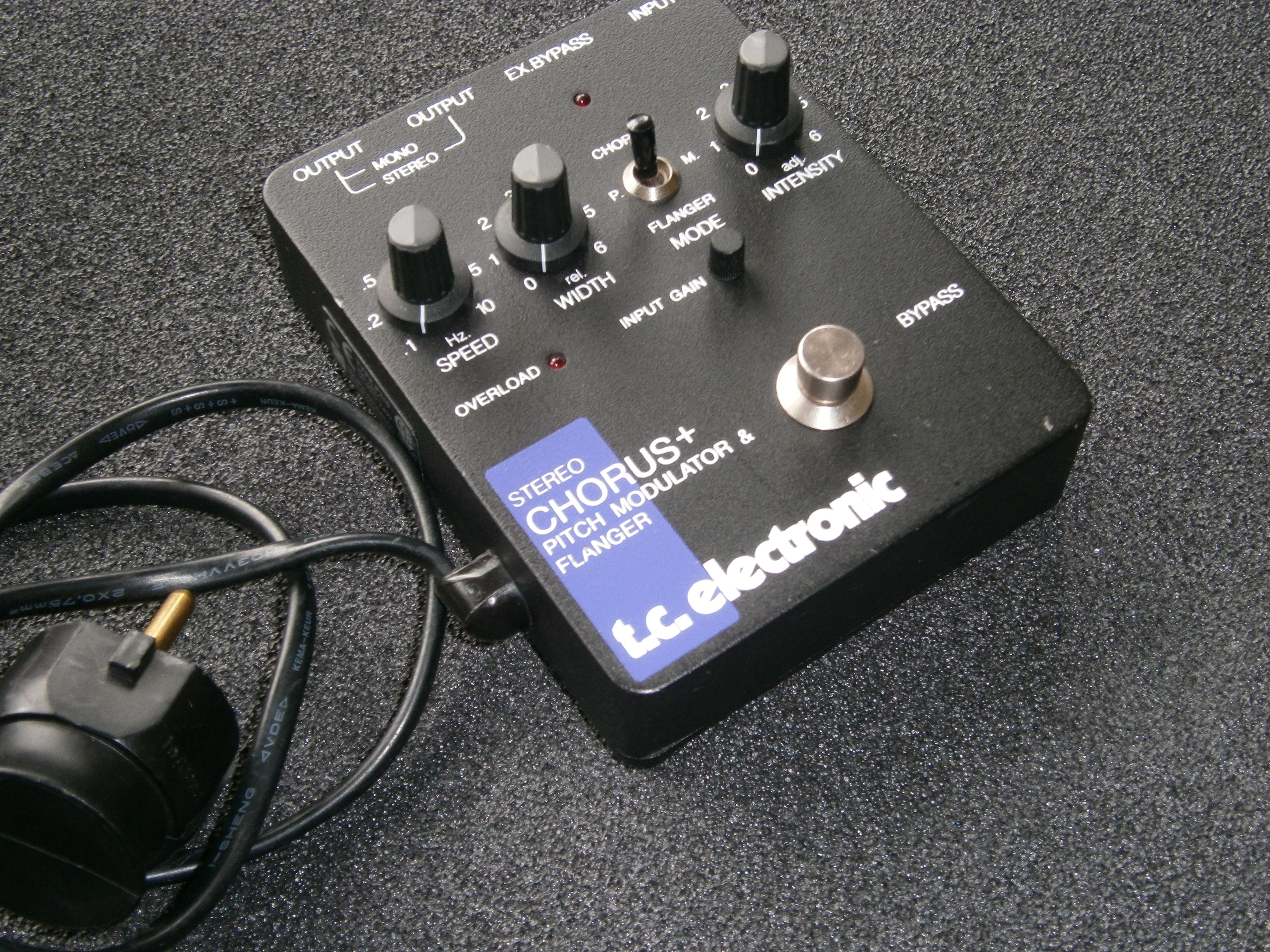 https://medias.audiofanzine.com/images/normal/tc-electronic-scf-stereo-chorus-flanger-2200958.jpg